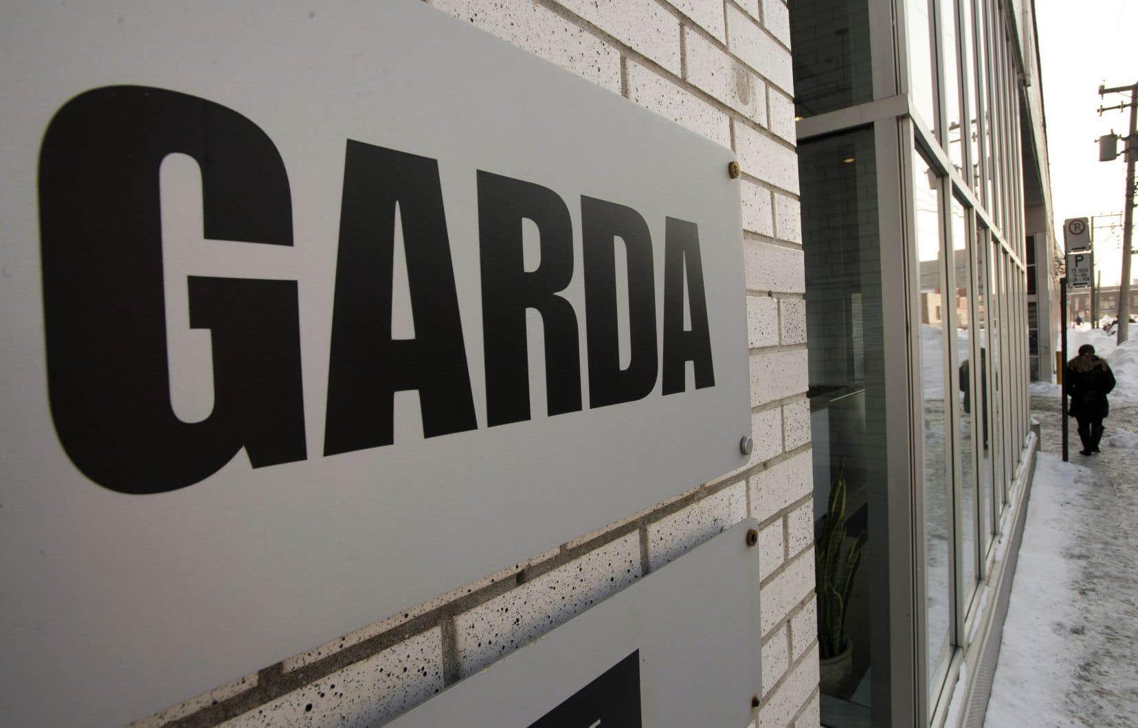 GardaWorld et Allied Universal devaient en principe présenter aux autorités britanniques leur meilleure offre pour G4S.