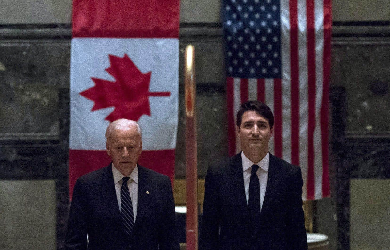 Le premier ministre Trudeau lors d'une rencontre avec Joe Biden, alors vice-président, en 2016.
