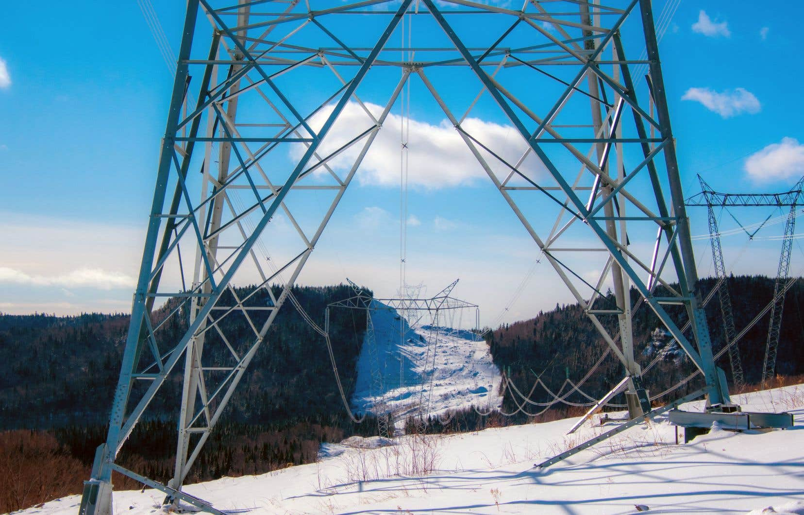 «Les 5 TWh additionnels que demanderait le projet Énergie Saguenay, et que HQD devrait acquérir à fort prix, entraîneraient dès 2027 un impact important sur les coûts d'approvisionnement», écrit l'autrice.