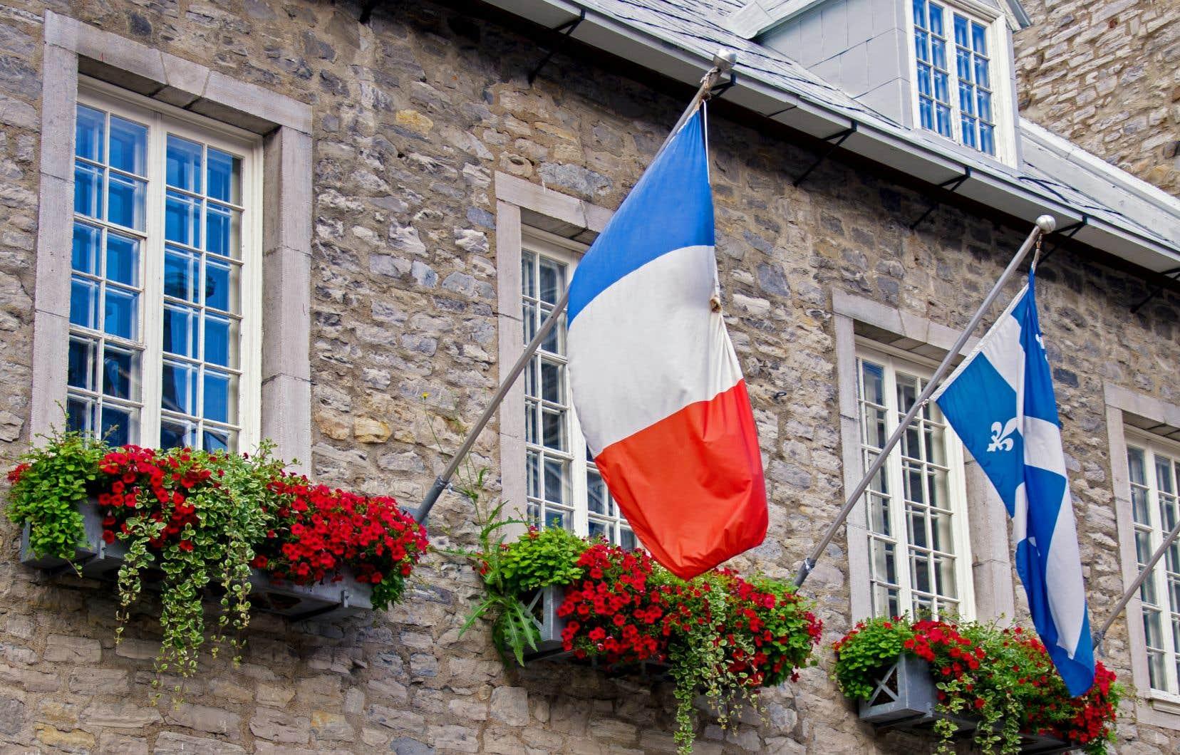 «Désormais, dans l'esprit des jeunes surtout, la France est presque devenue un pays comme les autres, en rupture avec le grand respect que lui vouait ma génération», écrit l'auteur.