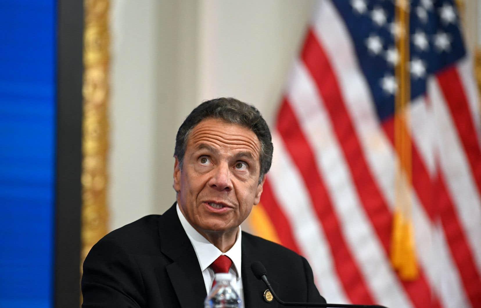 Une troisième femme a accusé le gouverneur de l'État de New York, Andrew Cuomo, de comportement inapproprié.
