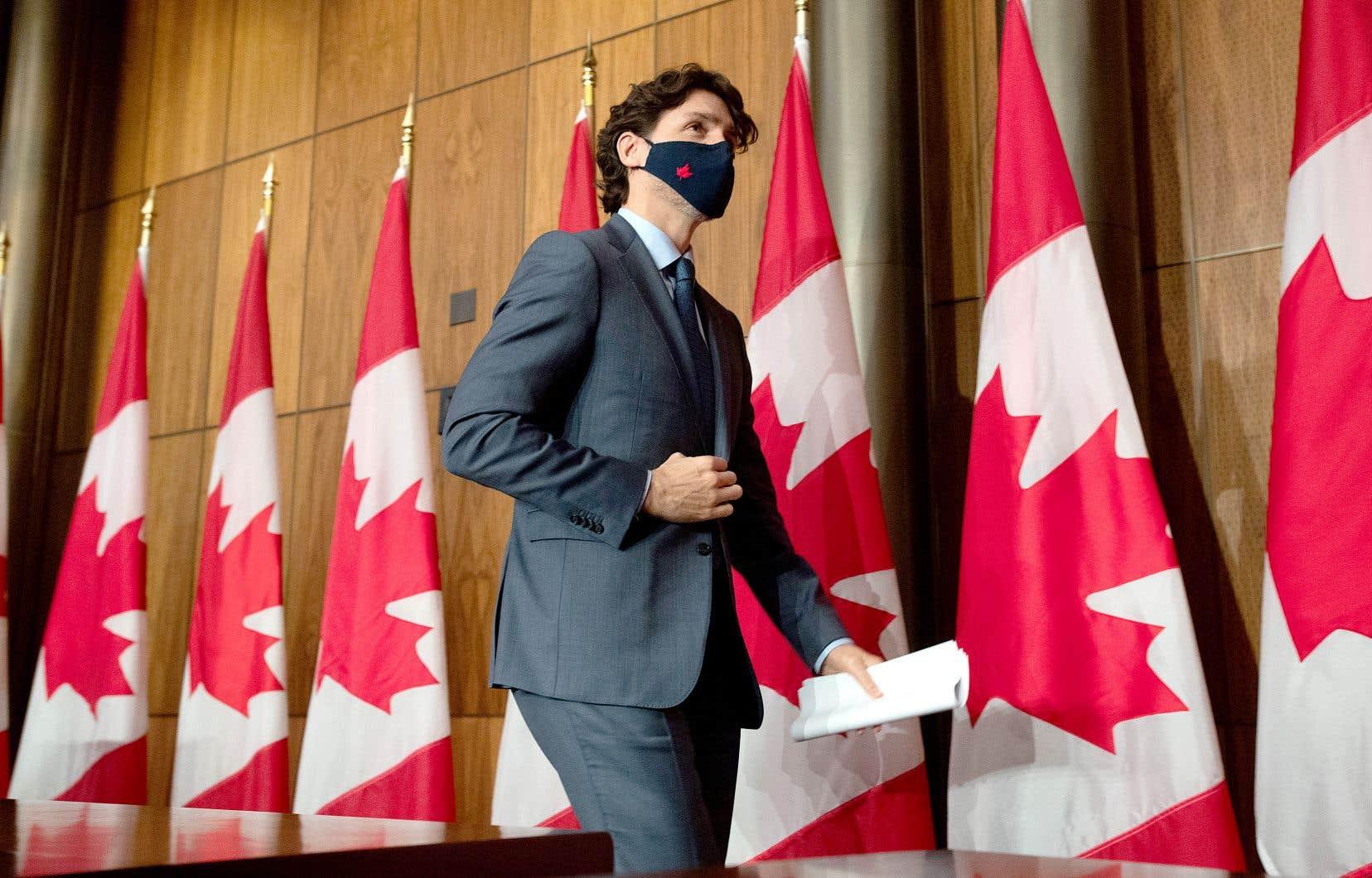 Mercredi, le premier ministre Justin Trudeau a adopté un ton plus politique, pour promettre d'aider plus longtemps les travailleurs et les entreprises, que lors de ses discours des derniers mois.