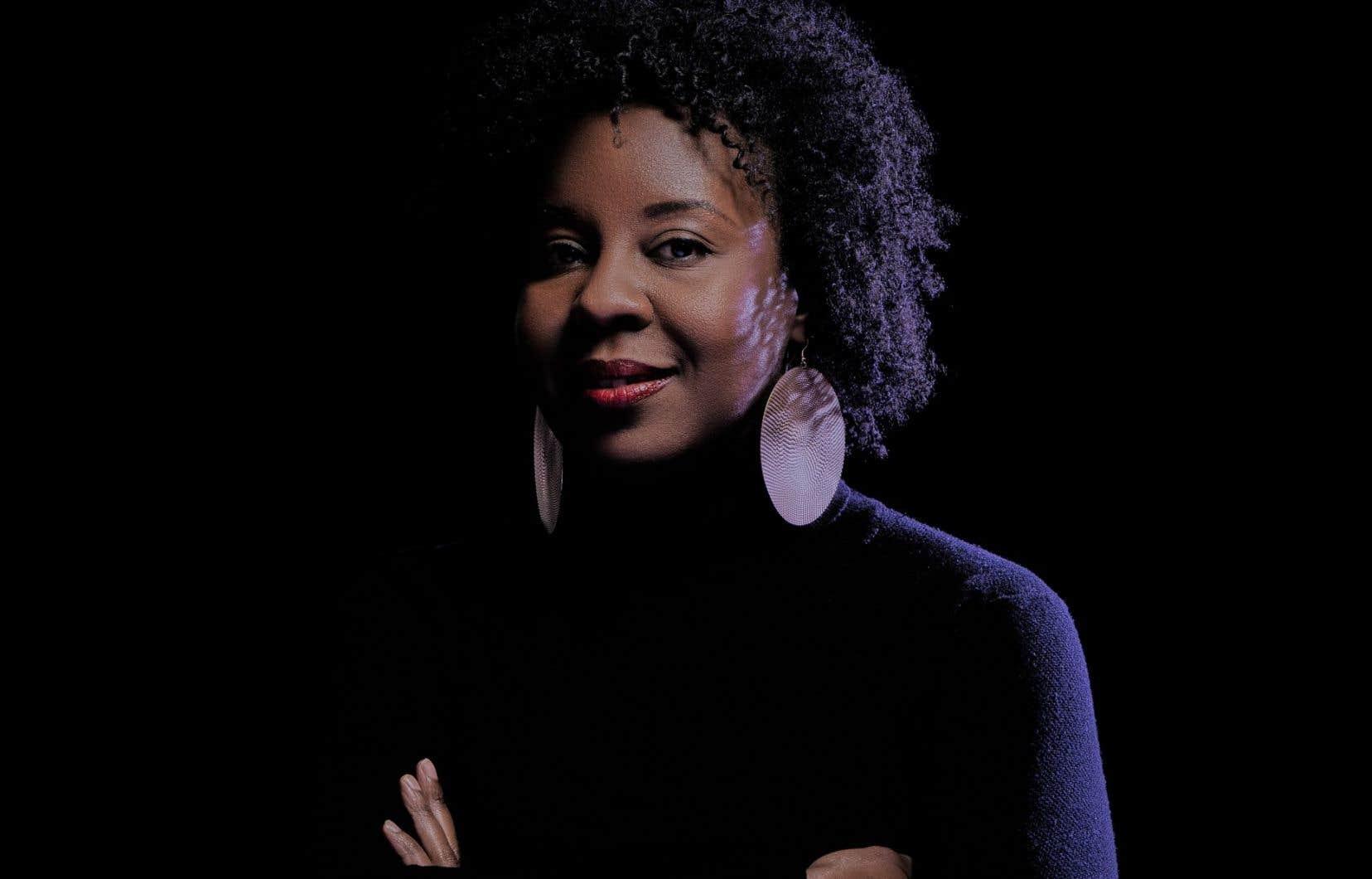 «Ça vient me chercher lorsque je me heurte à des gens qui nient notre réalité, nos histoires, nos obstacles ou qui pensent que parler des femmes, ça englobe nécessairement les femmes noires», confie Dorothy Rhau.