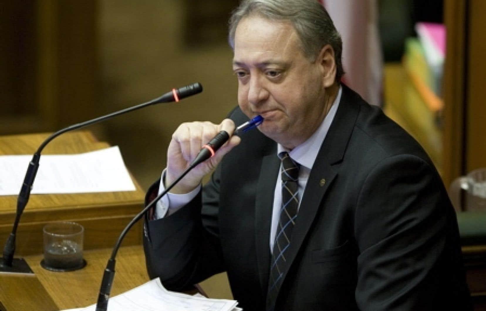 Montréal: Pierre Reid est écarté et Claude Dauphin refuse de