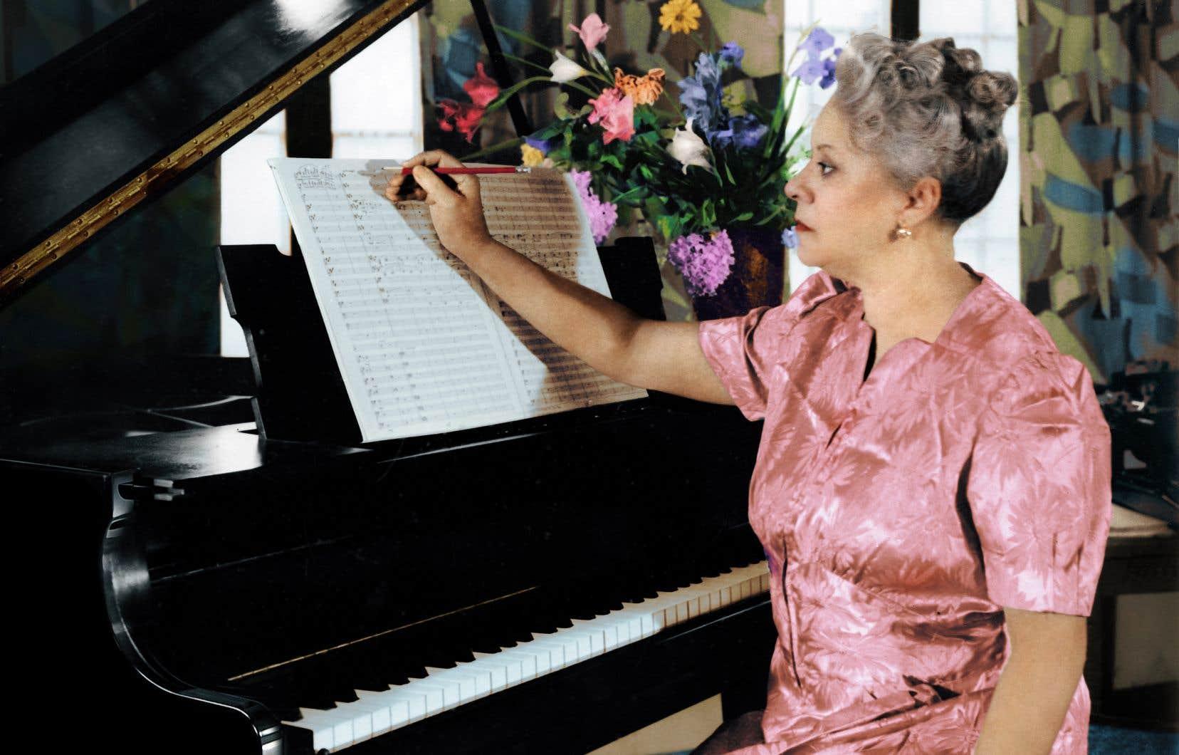 La «1re Symphonie» (1933) de Florence Beatrice Price, de Little Rock, en Arkansas, fut la première partition d'une femme noire jouée par un orchestre américain.