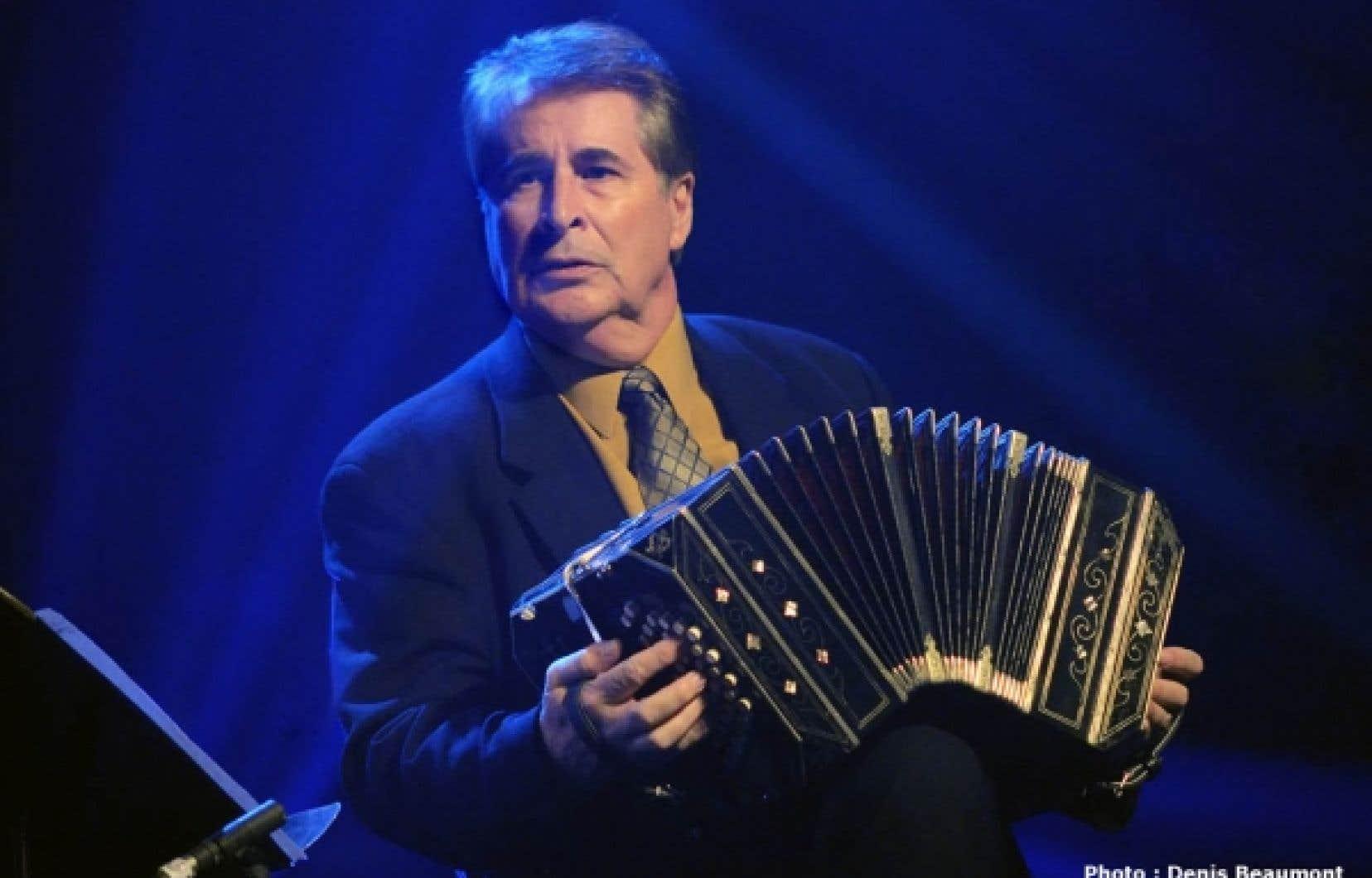Romulo Larrea cumule 50 ans de carrière, dont 30 au Québec.<br />
