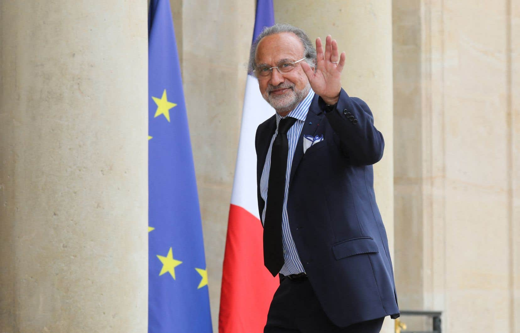 L'élu de droite Olivier Dassault, fils de Serge Dassault, ancien magnat de l'aviation, était âgé de 69 ans.