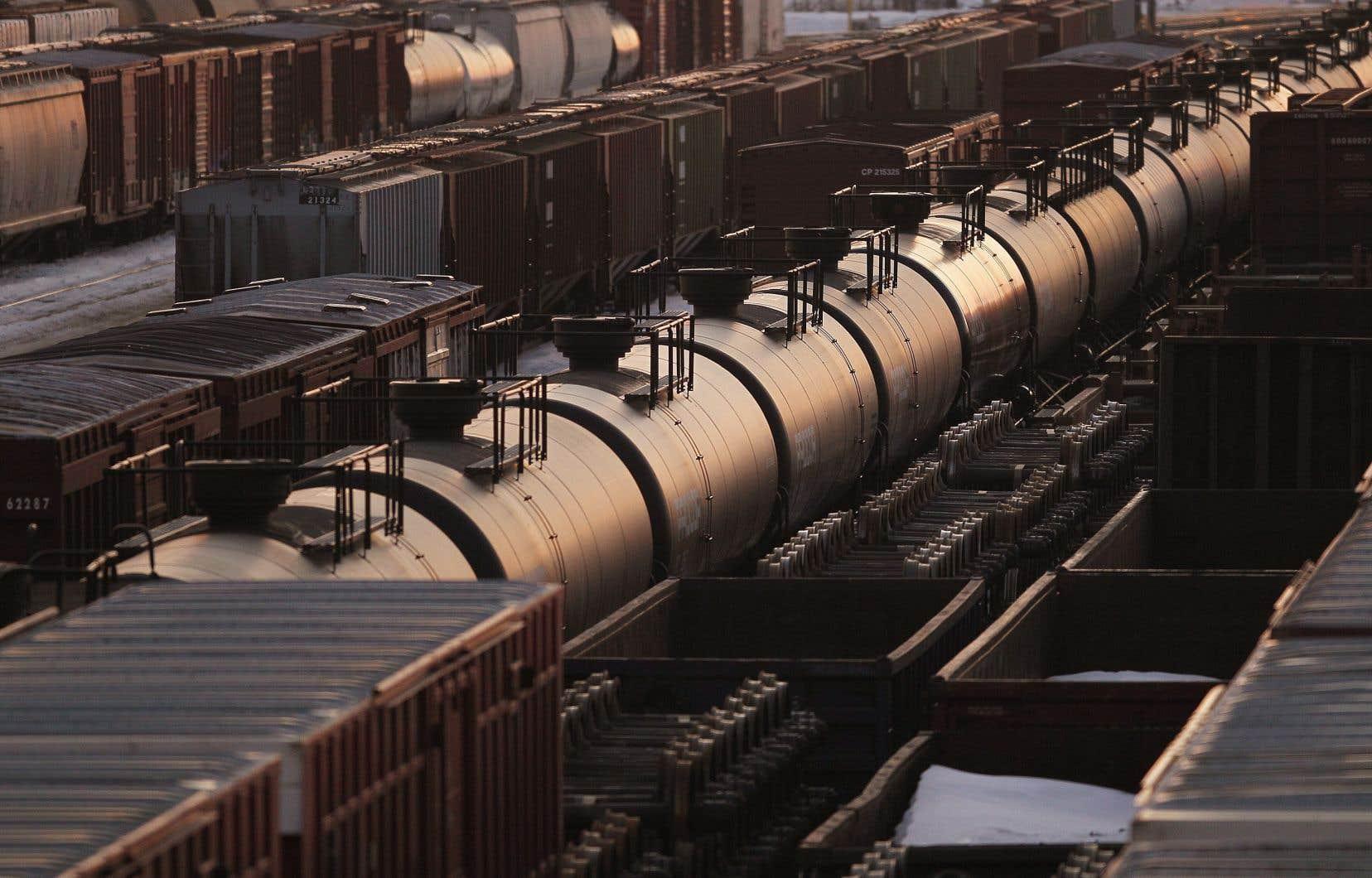 Les expéditions de brut par chemin de fer ont chuté l'été dernier lorsque le prix du pétrole s'est effondré au milieu de la pandémie de COVID-19.
