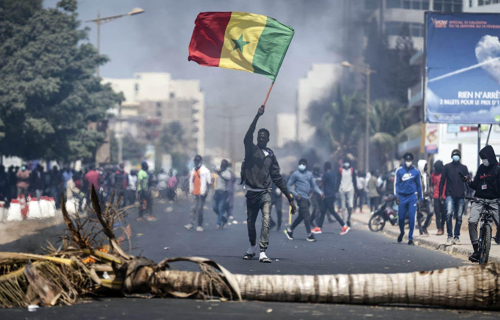 Le Sénégal, considéré d'ordinaire comme un îlot de stabilité en Afrique de l'Ouest, a été le théâtre de confrontations, de pillages et de saccages dans les derniers jours.