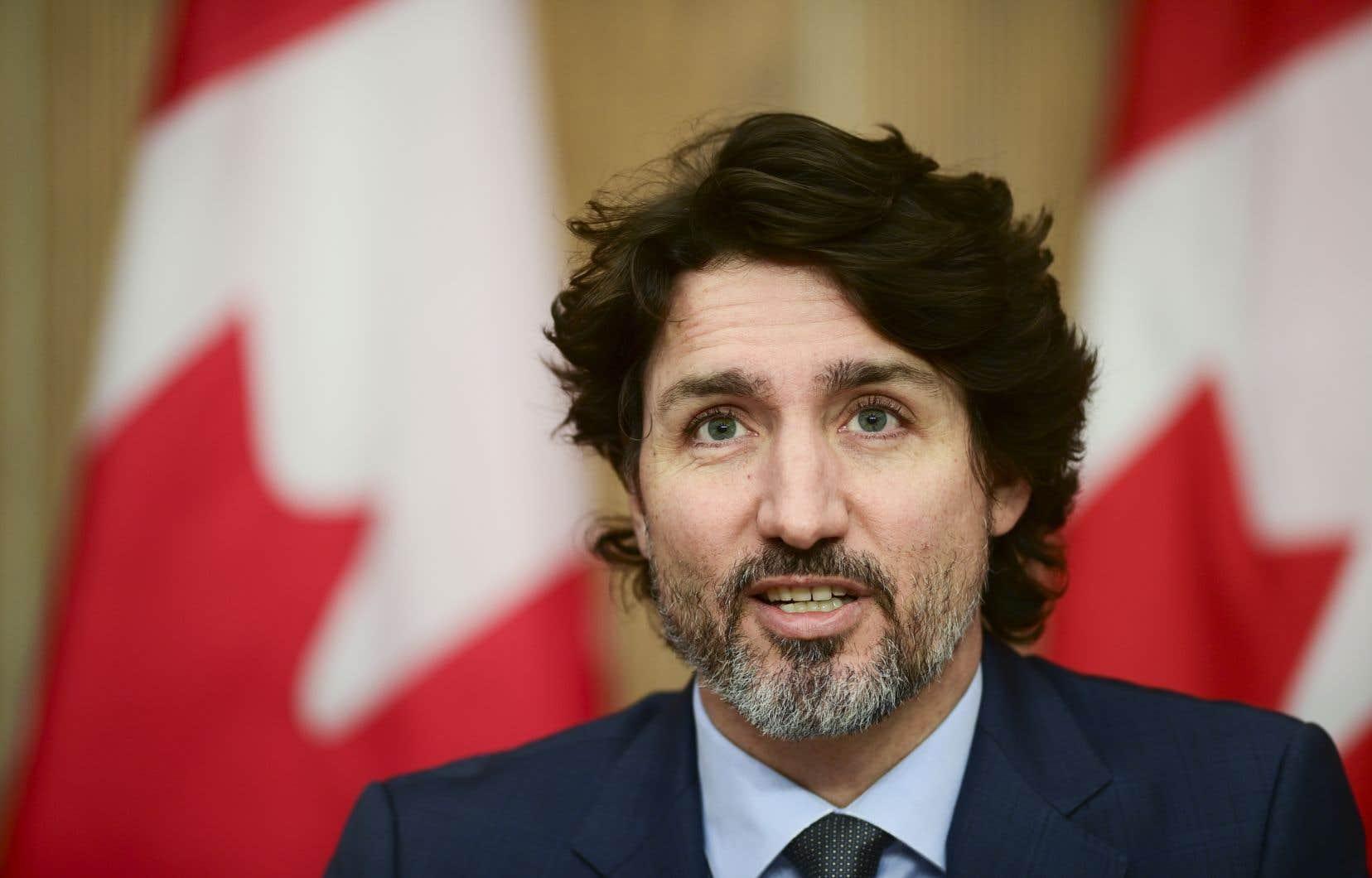 Le Canada a précommandé 10millions de doses du vaccin, mais JustinTrudeau affirme que le pays n'a toujours pas de date pour la réception des premières livraisons.