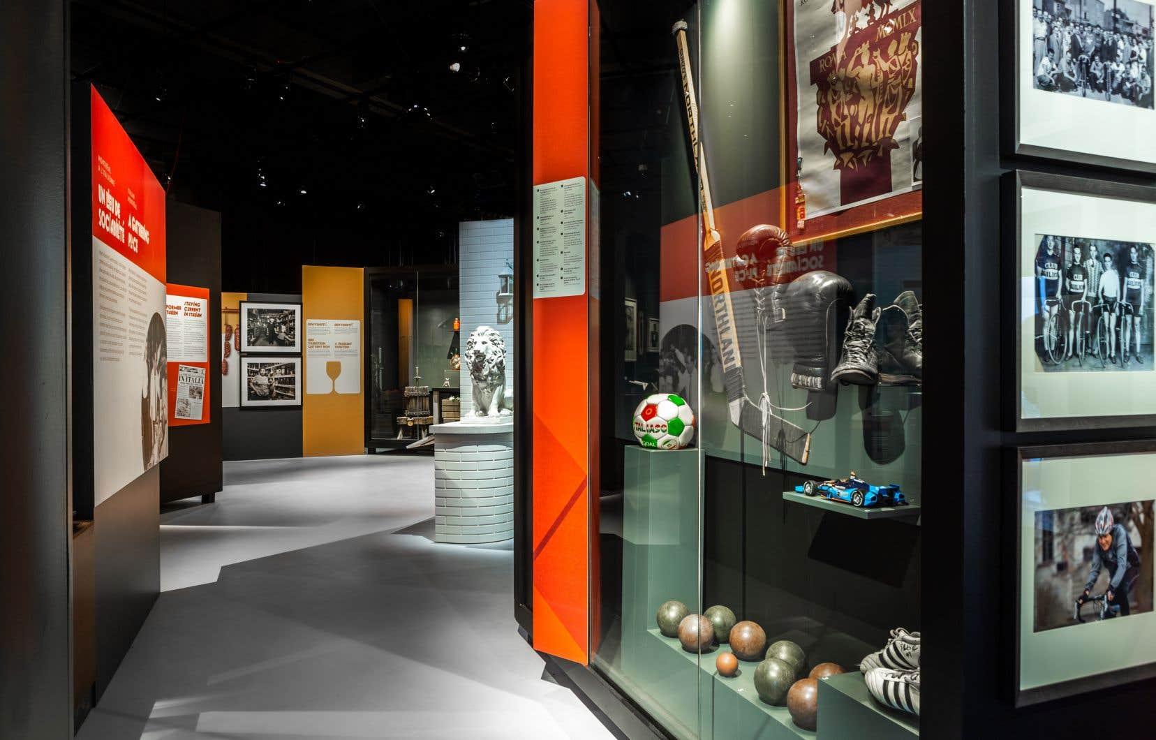 Plusieurs des 325 objets exposés proviennent directement de maisons ou de collections privées.