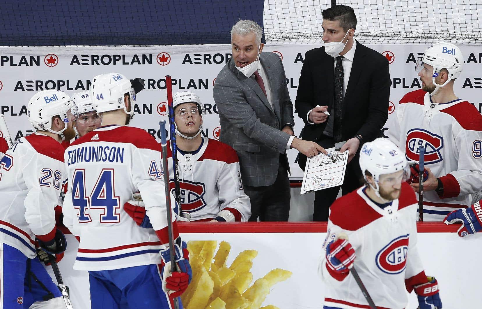 Alexandre Burrows est toujours passionné par le hockey, environ deux ans et demi après avoir mis un terme à sa carrière de joueur.
