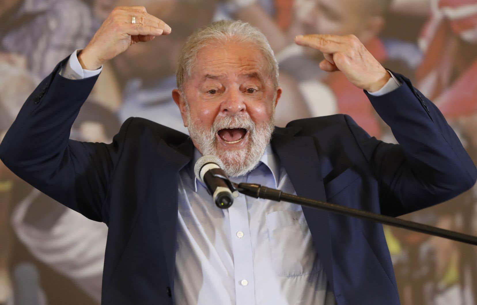 Deux sondages récents ont montré que Lula était encore le candidat le mieux placé pour battre le président d'extrême droite en 2022.