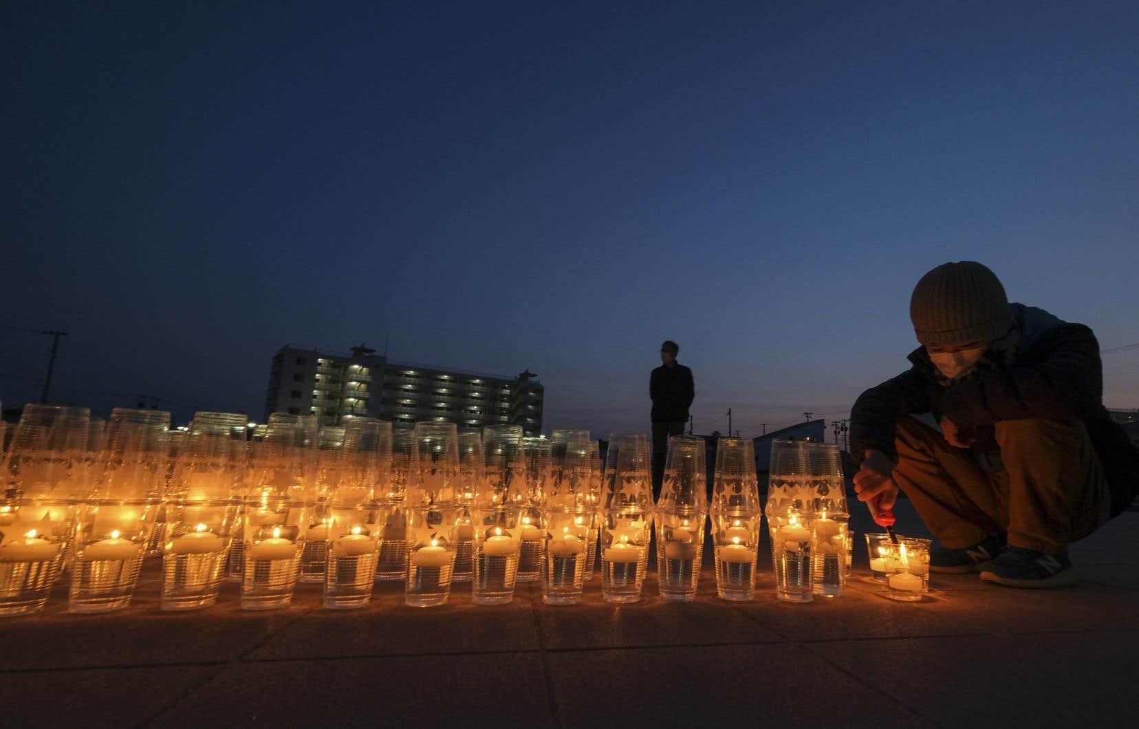Des hommages ont eu lieu toute la journée dans le nord-est du Japon.