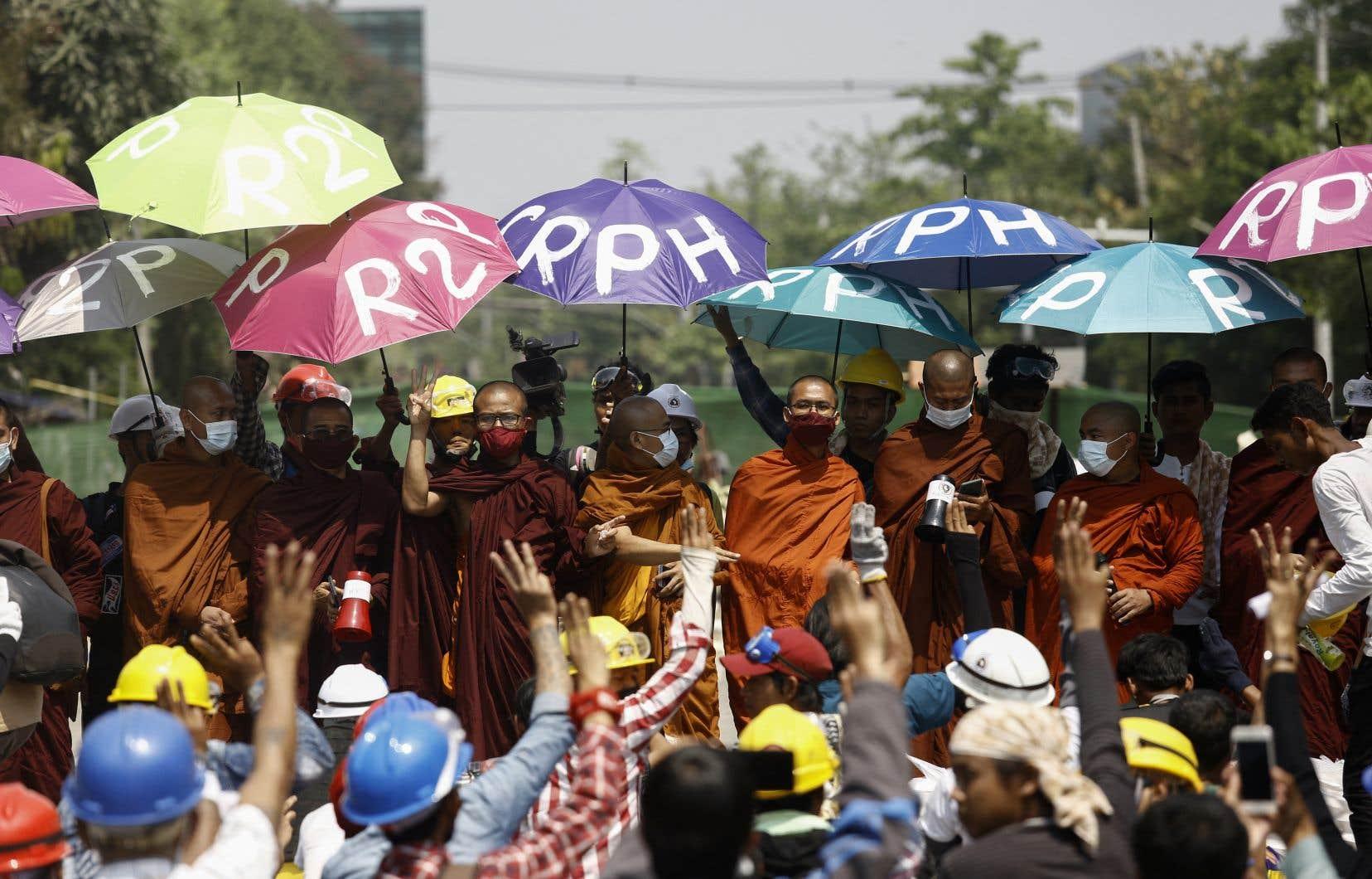 Occupés sur plusieurs fronts, les généraux myanmarais cherchent à concentrer leur action sur les manifestations prodémocratie.