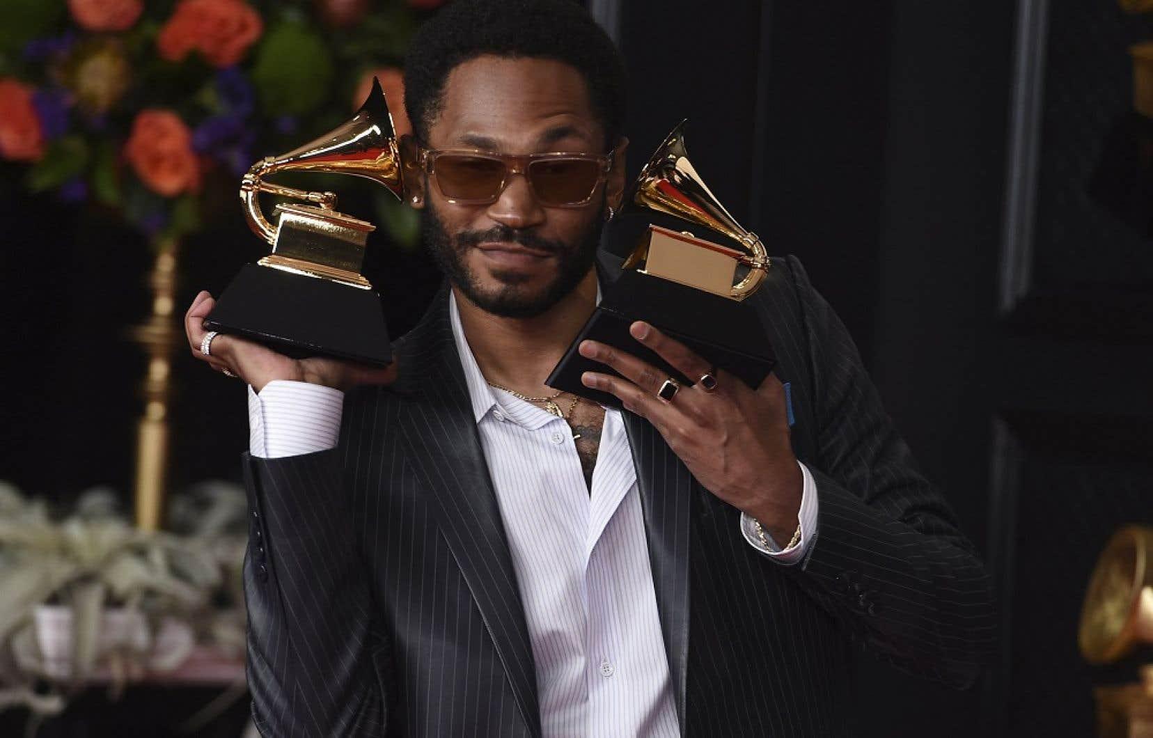 Le compositeur québécois Kaytranada a remporté dimanche après-midi le premier prix Grammy de sa carrière, puis le second quelques minutes plus tard.