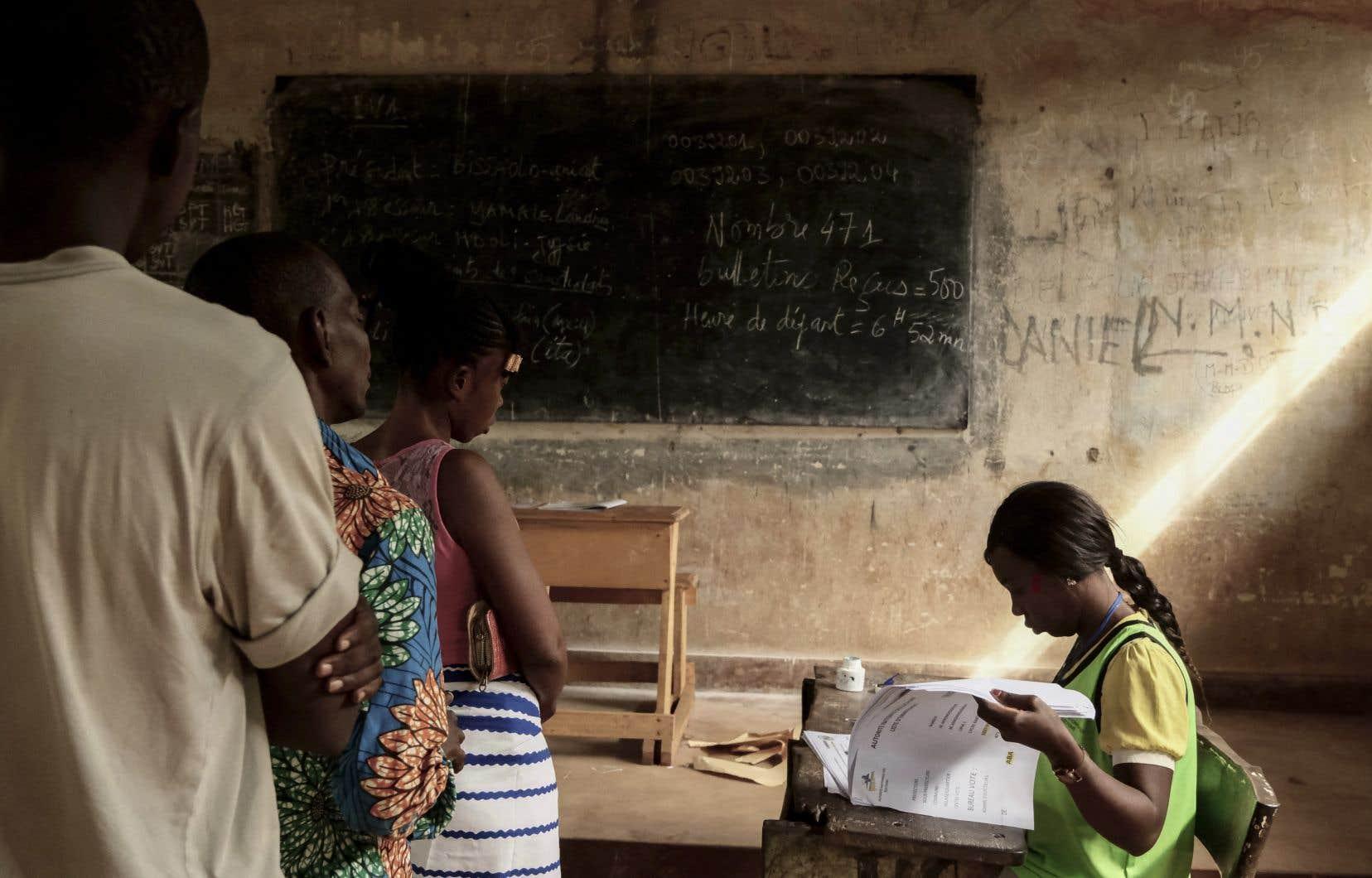 Un nouveau premier tour était organisé dimanche dans la majorité des circonscriptions en dehors de Bangui, là où les bureaux n'avaient pas pu ouvrir le 27décembre.