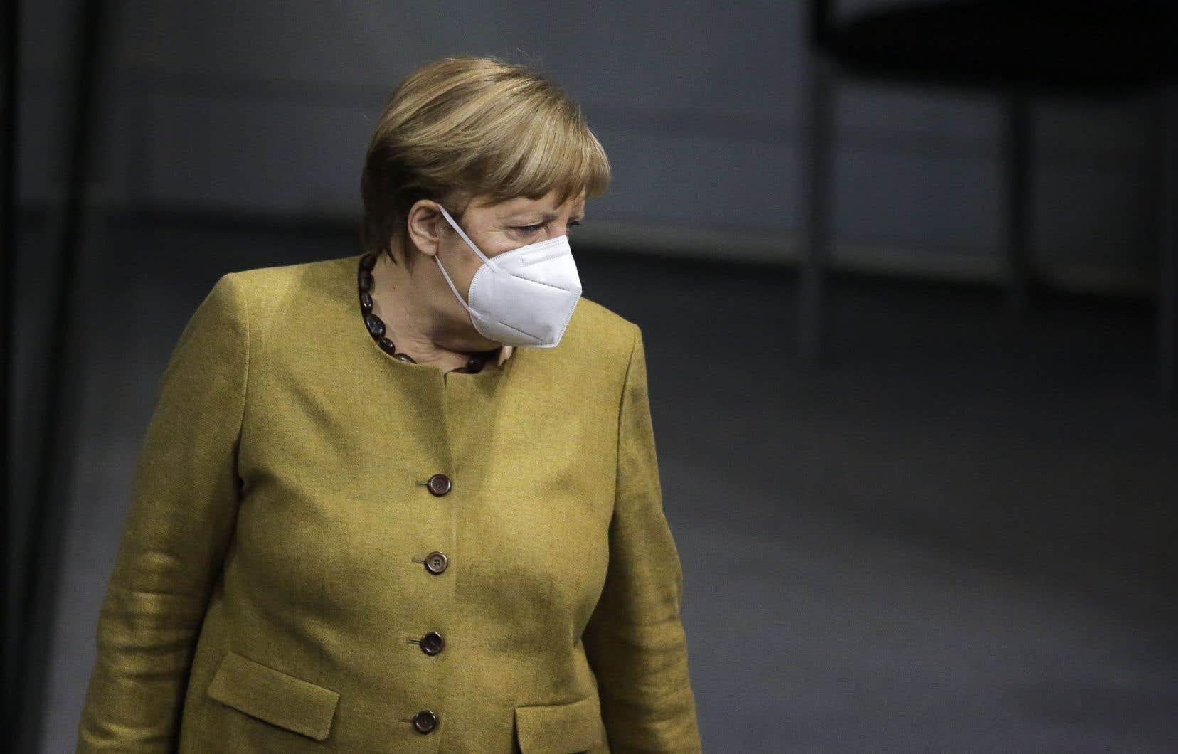 Les révélations en cascade, depuis la fin février, autour de l'«affaire des masques», et les critiques croissantes sur la gestion de la crise sanitaire ont affaibli le parti de la chancelière.