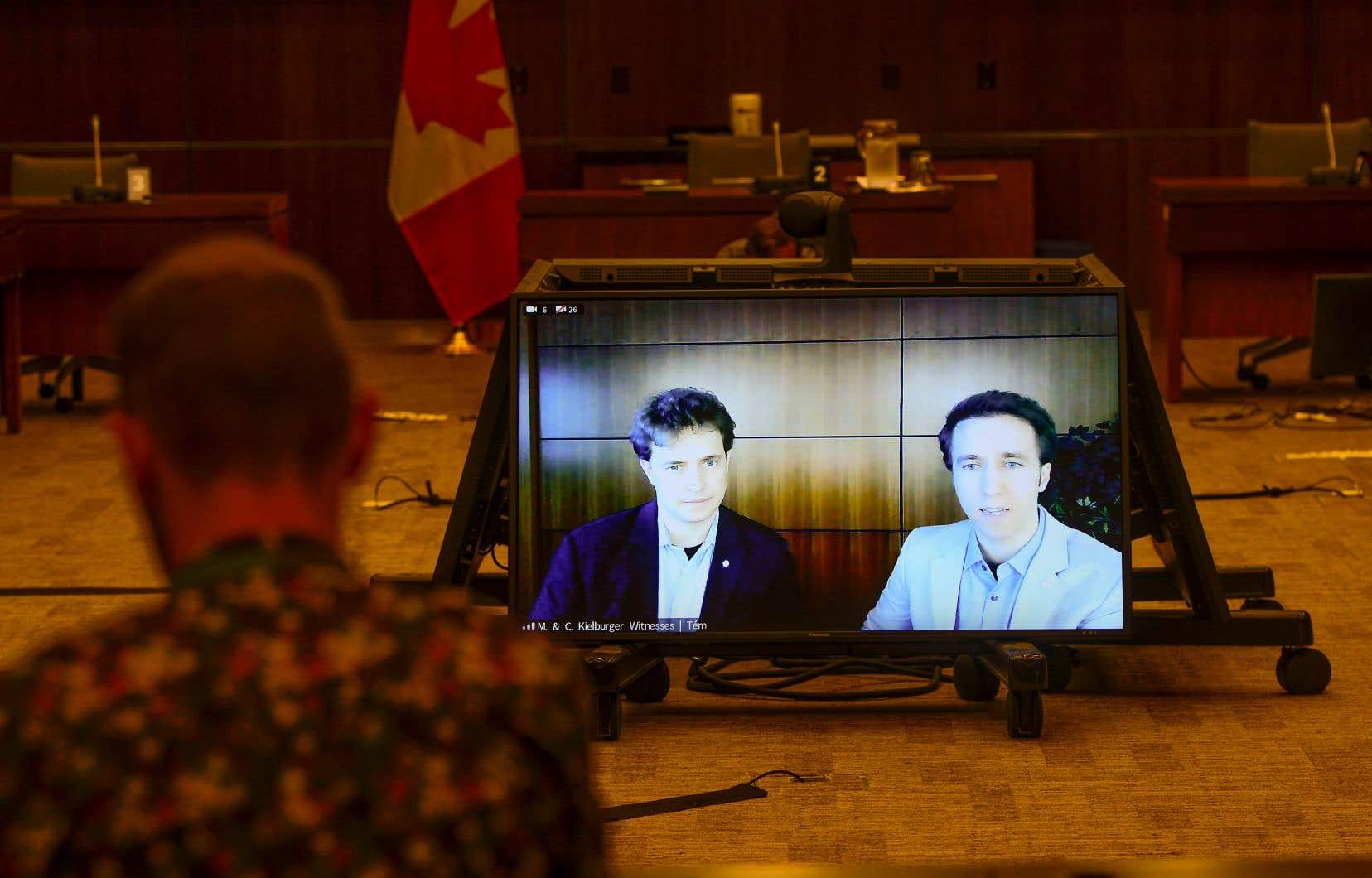 Marc et Craig Kielburger avaient témoigné de manière virtuelle devant le Comité permanent des finances, en juillet dernier.
