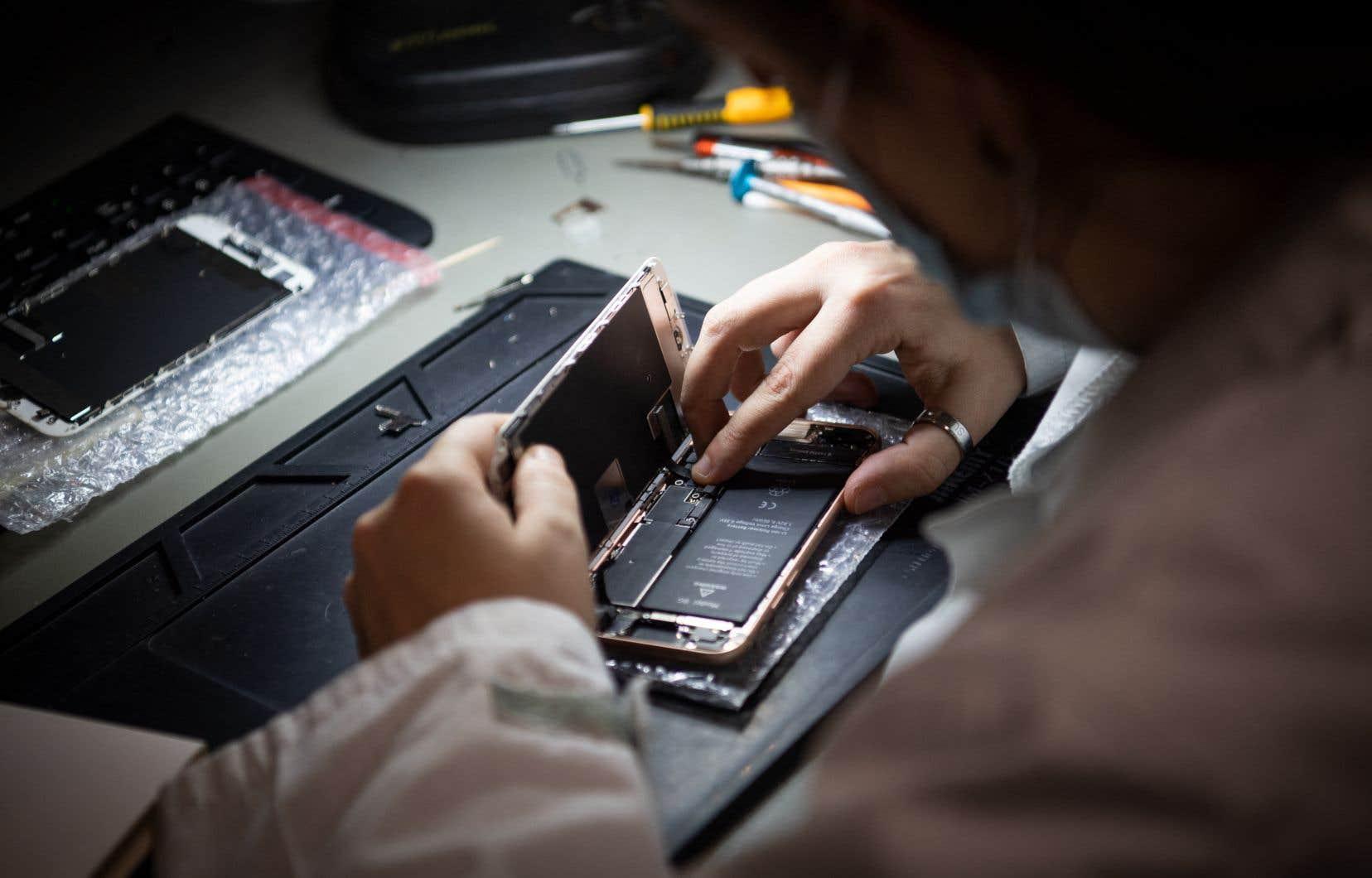 Qu'arrive-t-il à nos téléphones intelligents et à nos tablettes lorsque nous les délaissons pour se procurer le modèle dernier cri?
