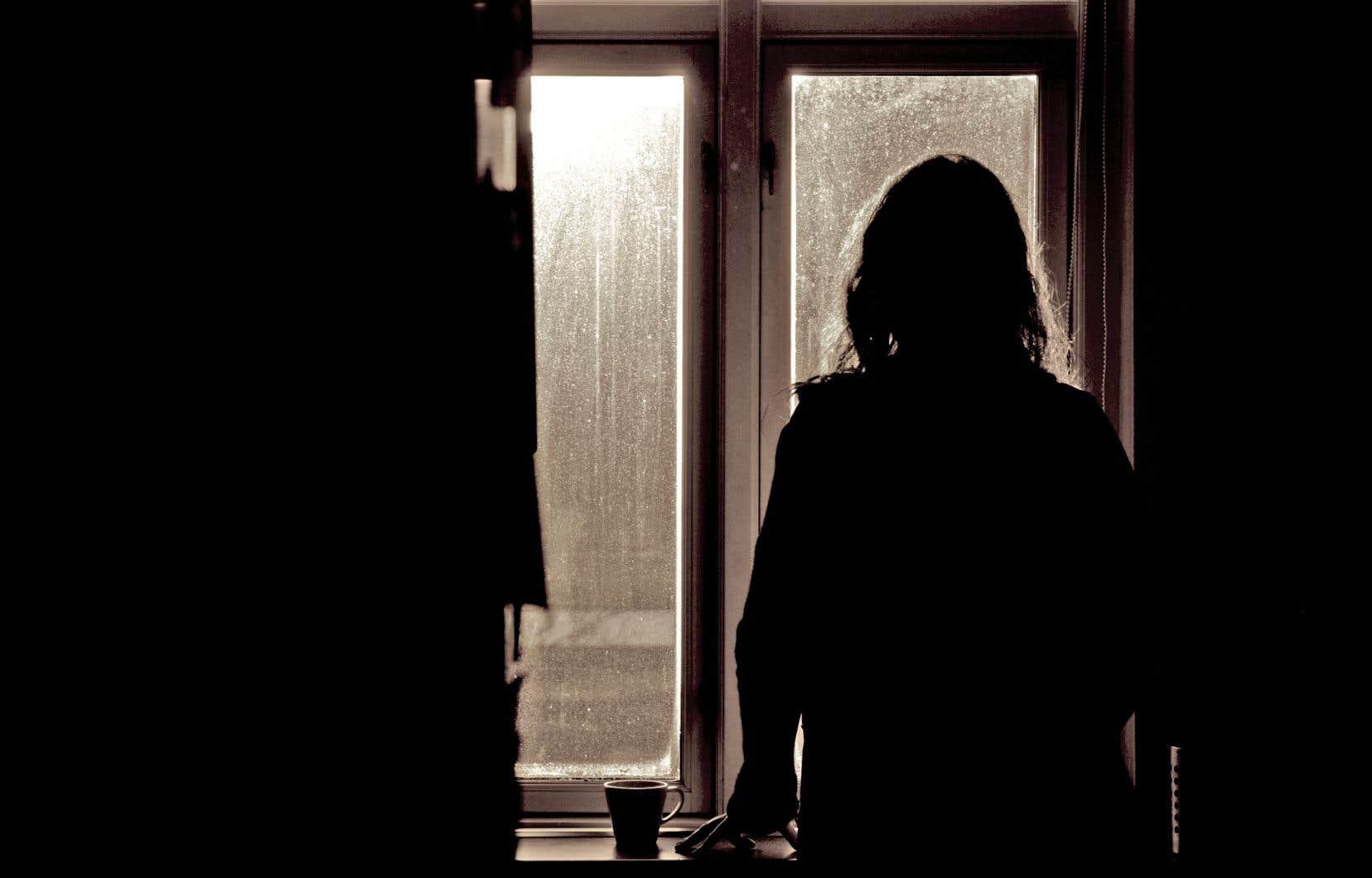 Les facteurs de risque sont examinés par l'entremise d'entrevues avec le suspect et avec la victime présumée, afin de sonder les craintes de celle-ci.