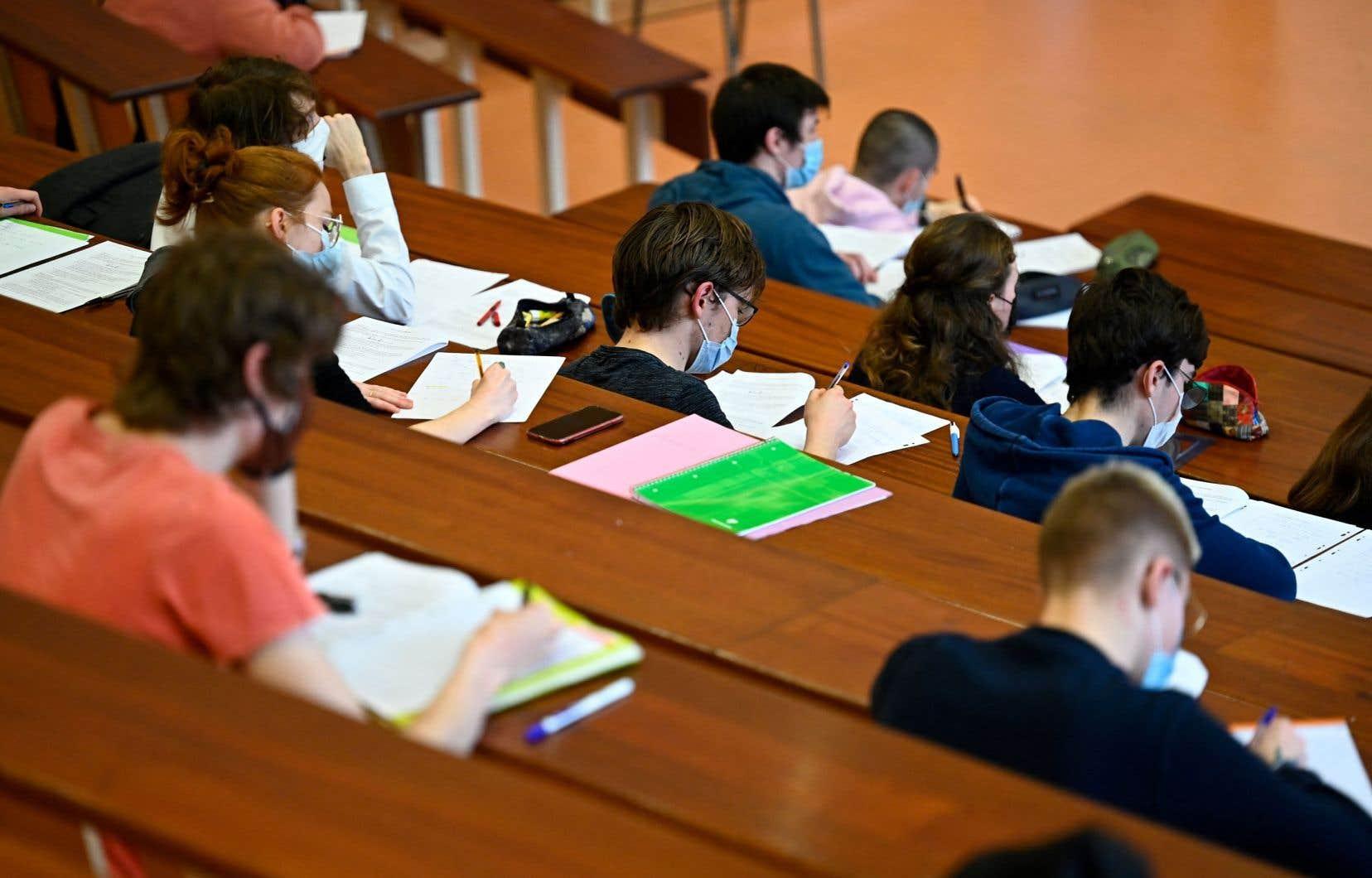«Chaque discipline, chaque faculté, chaque domaine universitaire peut comporter son lot de sujets sensibles», précise l'autrice.