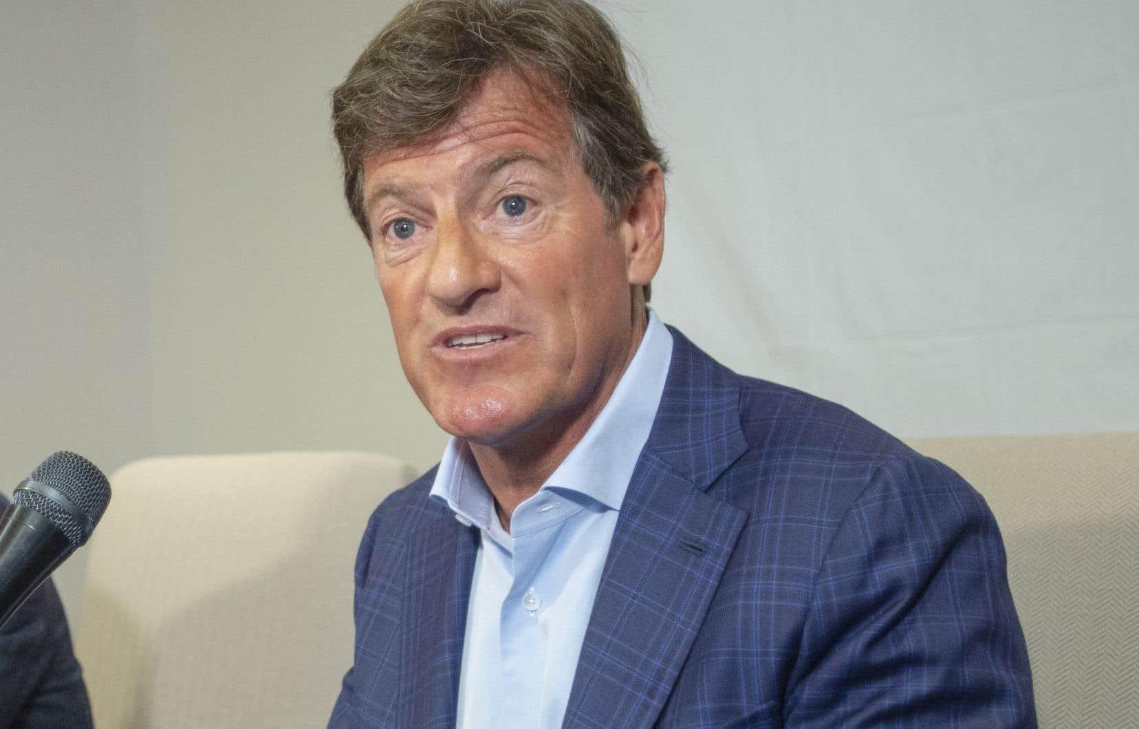 M.Legault a souligné la qualité des gens d'affaires impliqués dans le Groupe Baseball Montréal, mené par Stephen Bronfman.