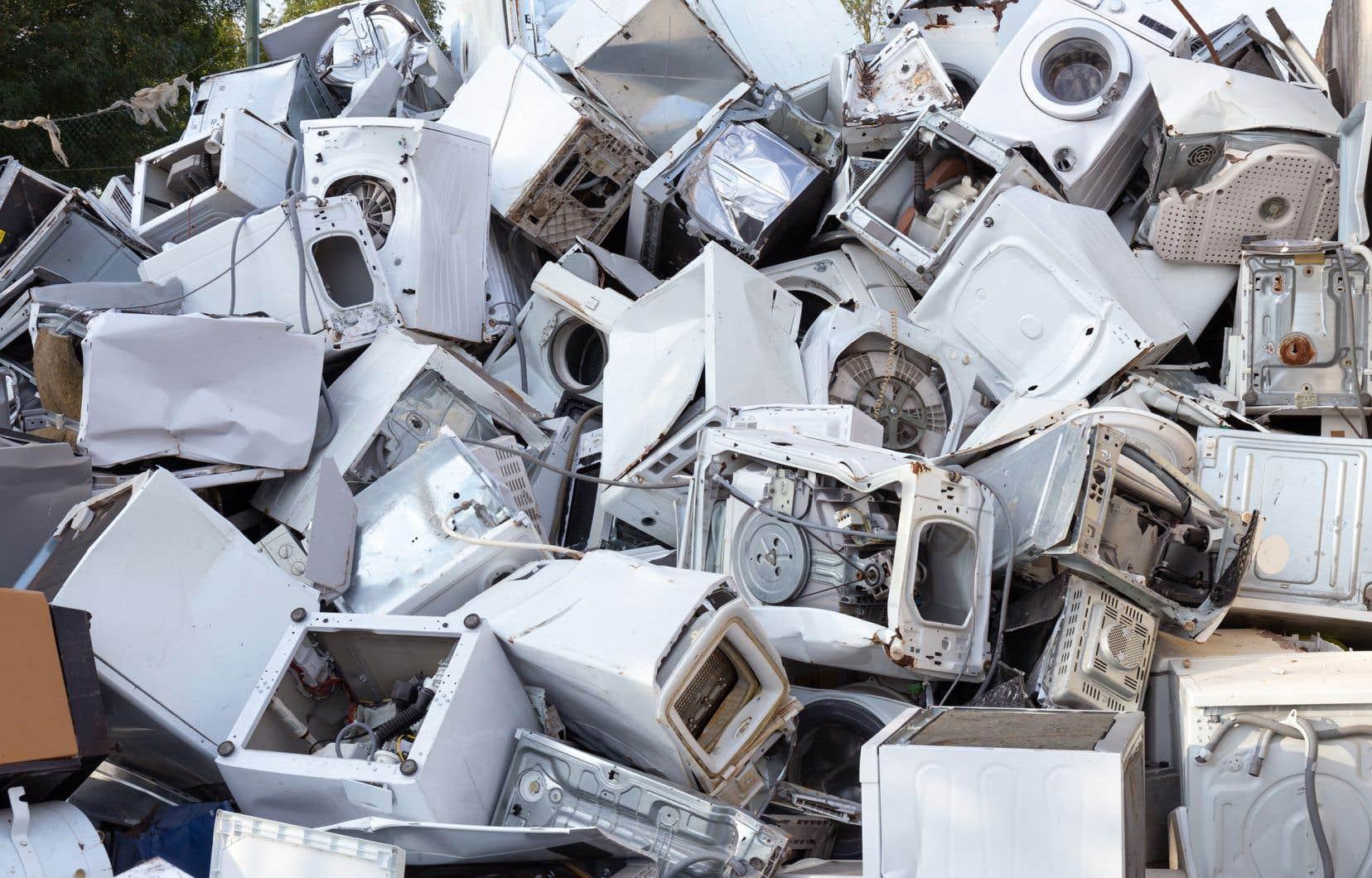Go Recyc fera affaire avec des sous-traitantsqui auront la responsabilité de démonter les appareils, disposer des métaux, éliminer les substances dangereuses, etc.