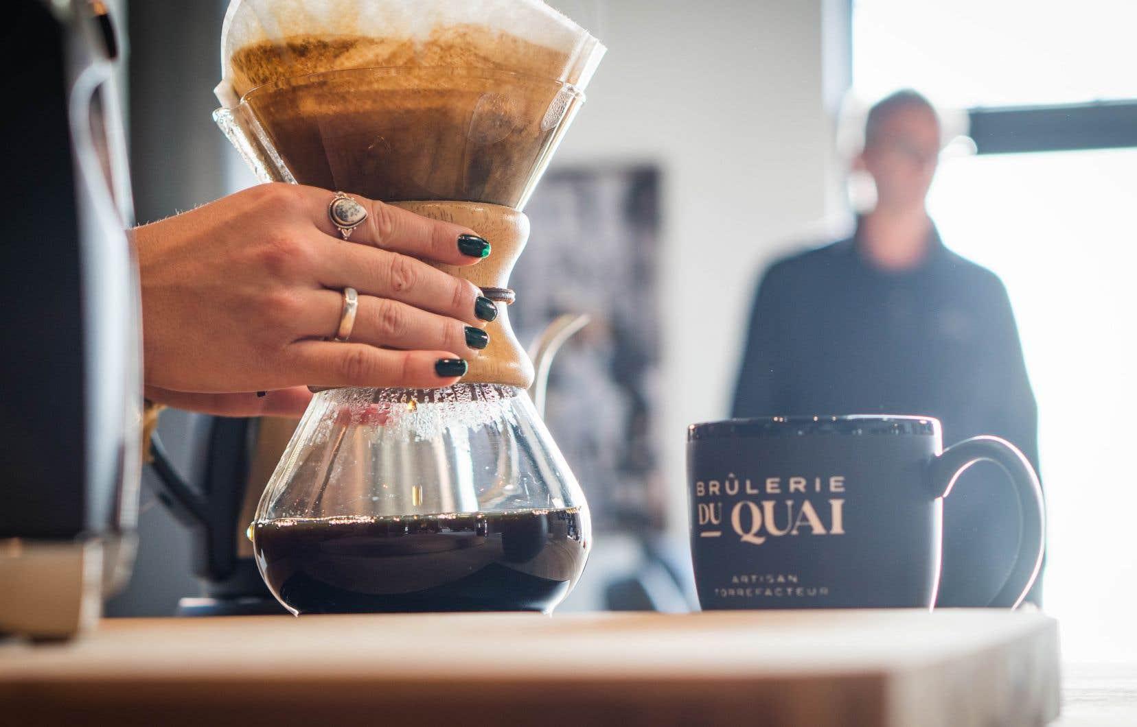 <credit>La Brûlerie du Quai, en Gaspésie, est l'une des précurseures dans la torréfaction de cafés d'origine hors de la métropole.</credit>