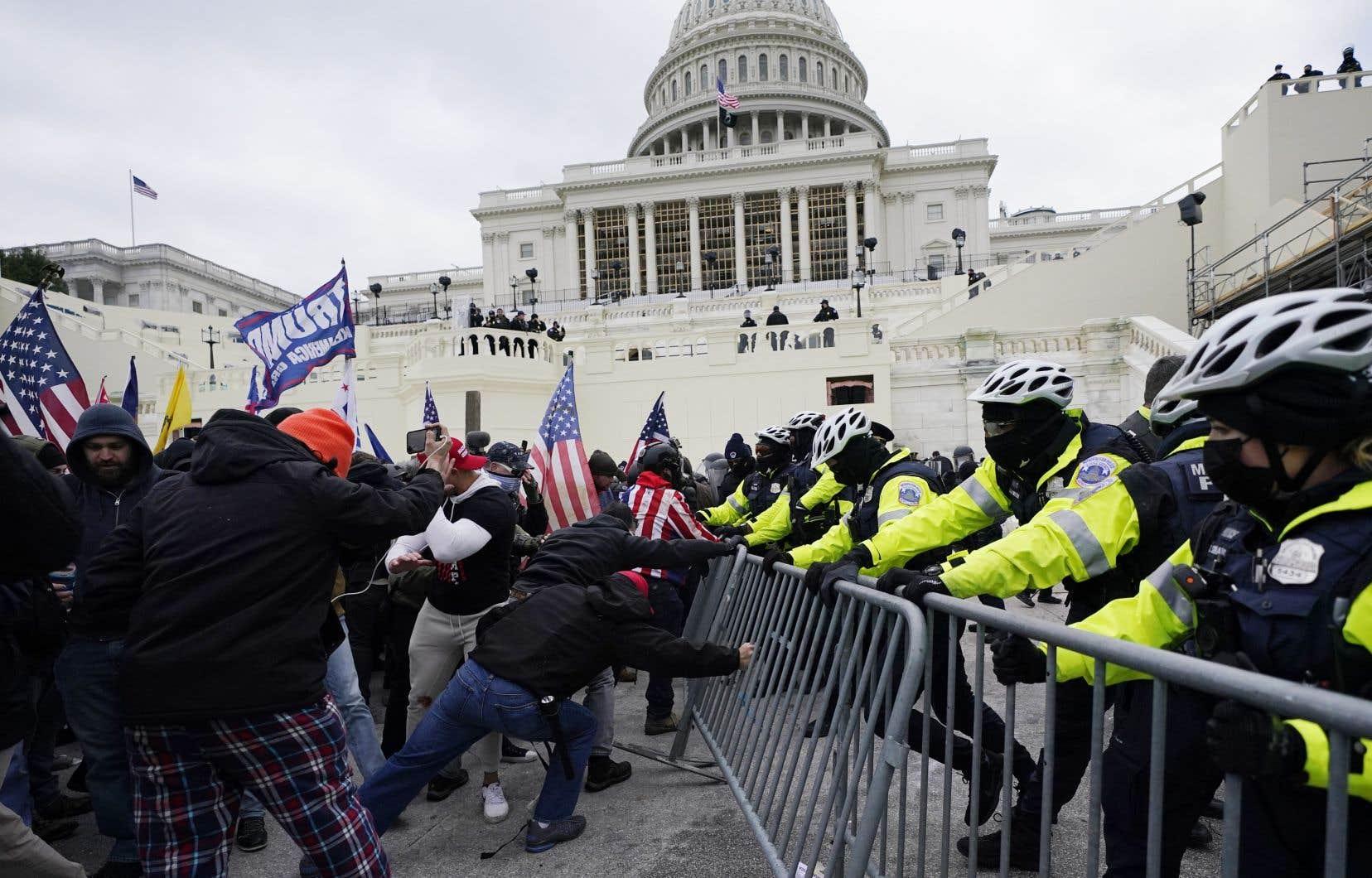 Des partisans de Donald Trump ont pris d'assaut le Capitole de Washington le 6 janvier dernier pour tenter d'empêcher la certification des résultats de l'élection présidentielle.
