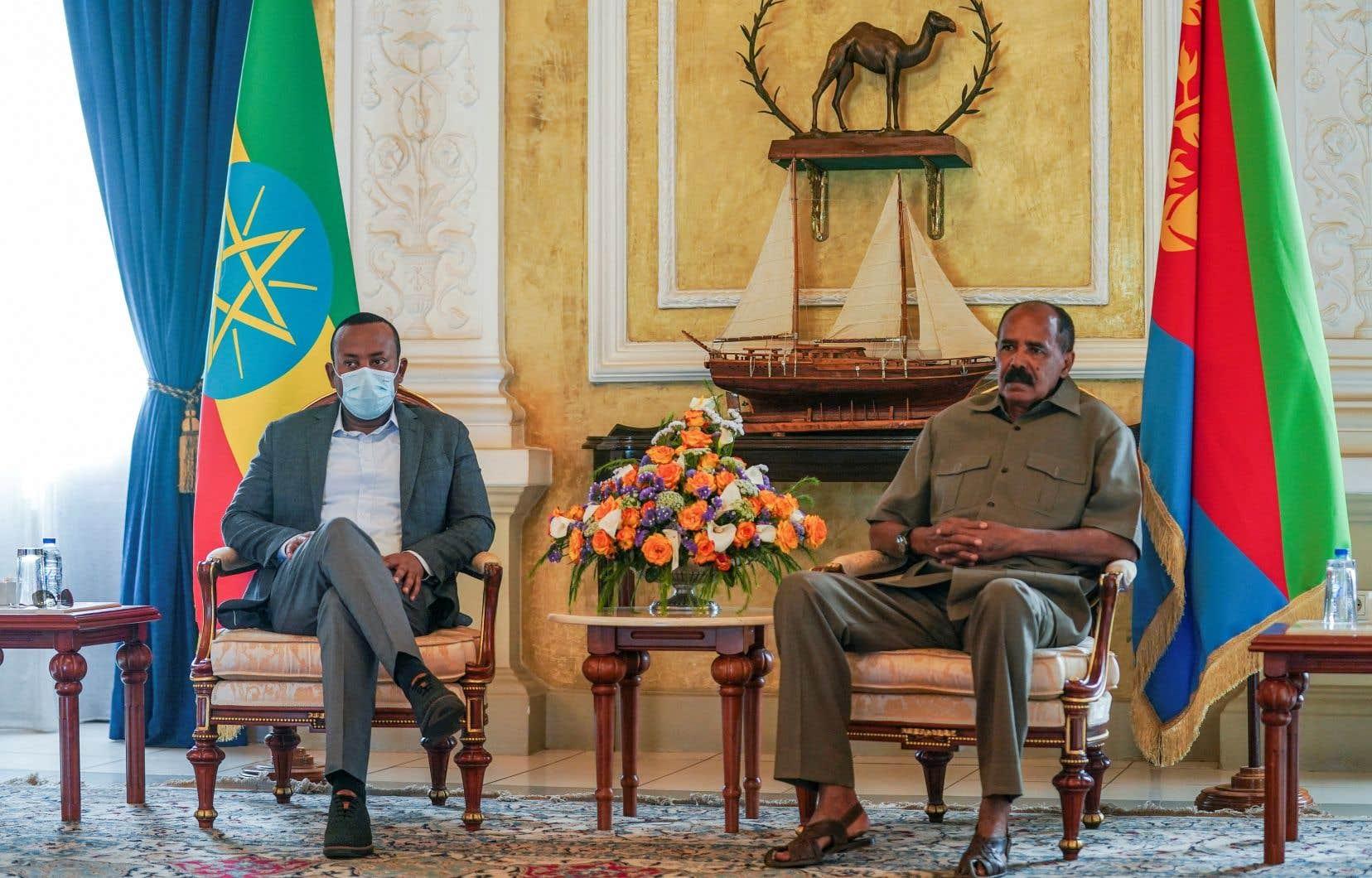Le premier ministre éthiopien, Abiy Ahmed, (à gauche) a rencontré le président érythréen, Issaias Afeworki.