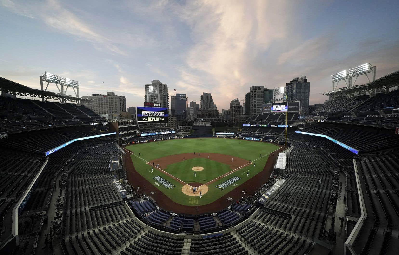 Une note de service de trois pages de la MLB et de l'Association des joueurs (MLBPA) a été envoyé aux joueurs et membres du personnel lundi.