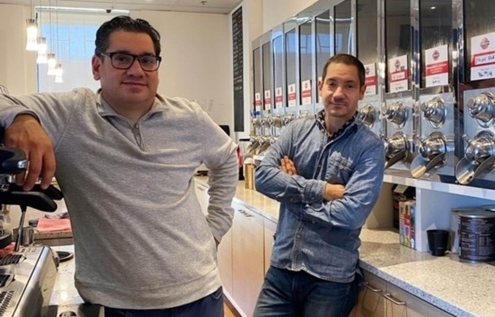 Stephan Kouri (à gauche) et son frère, James, ont repris le flambeau de l'entreprise il y a quelques années.
