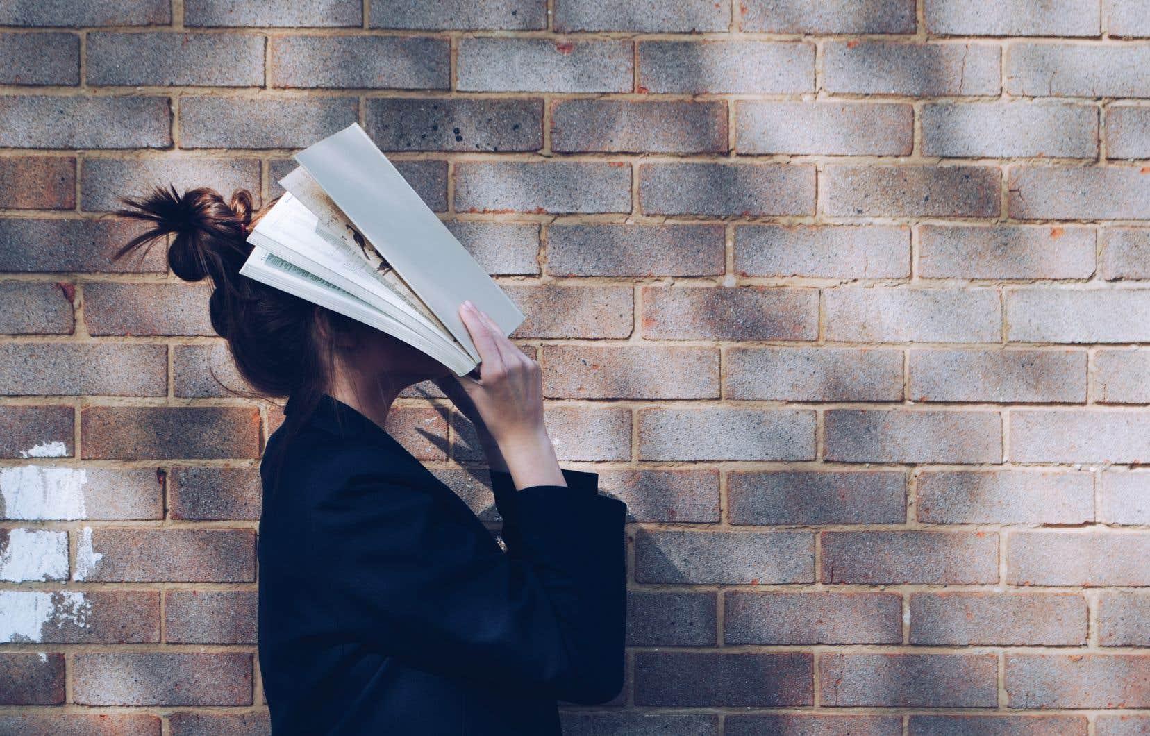 «Se sentir honteux de son parler et de son écrit n'invite pas à l'engagement», écrit Véronique Grenier.