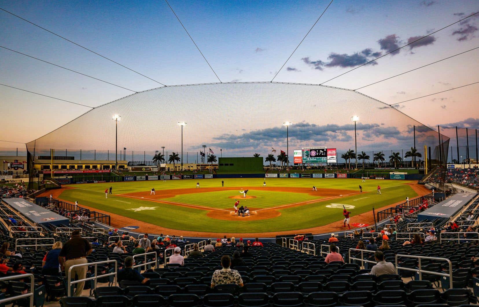 Les Nationals de Washington ont indiqué en début d'après-midi que leur duel prévu en soirée contre les Mets de New York a été reporté en raison «de la recherche de contacts d'un membre de l'organisation».