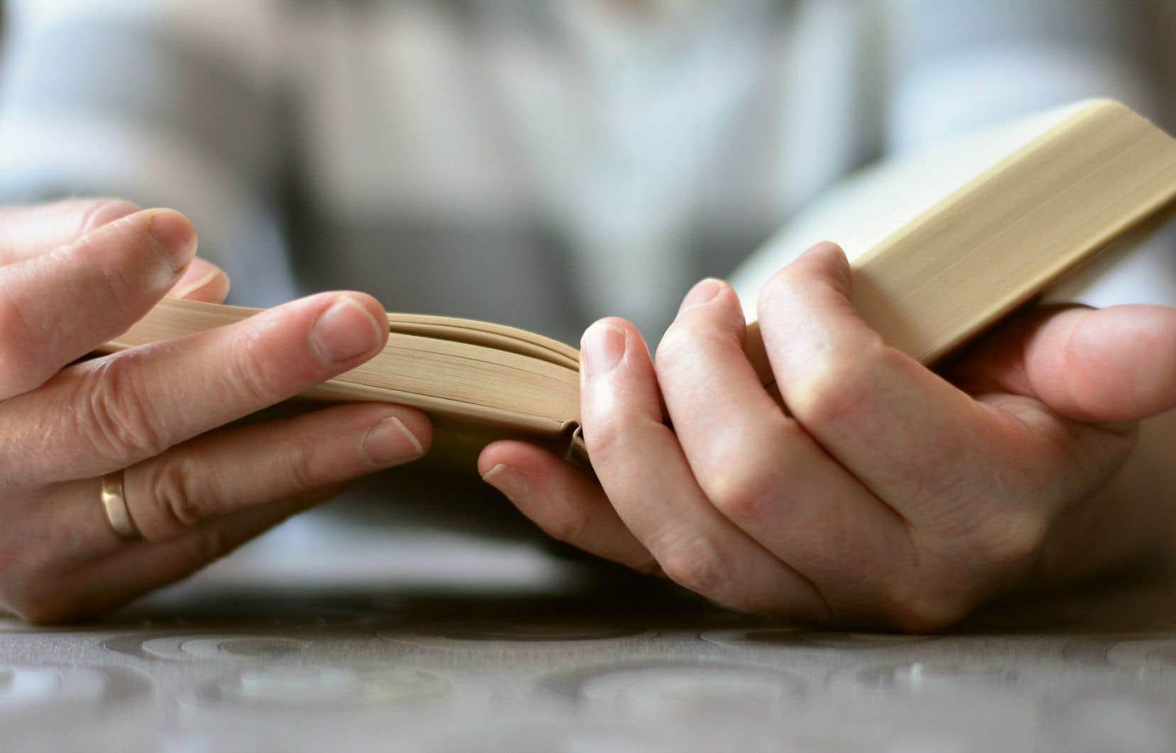 «Le français est la langue dans laquelle j'enseigne la littérature, dans laquelle j'ai écrit tous mes livres», précise l'autrice.