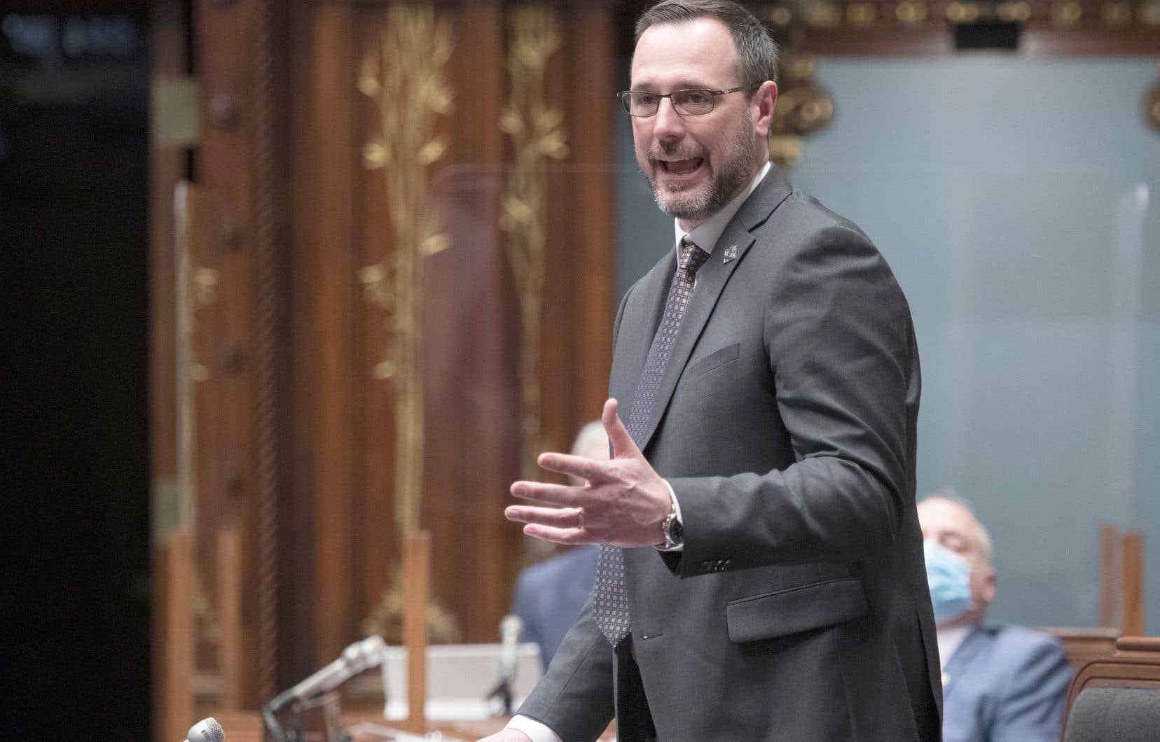 Que le ministre Jean-François Roberge ait raison ou non sur le fond, un doute a été semé dans la perception du public, estime le professeur Jean Bernatchez.
