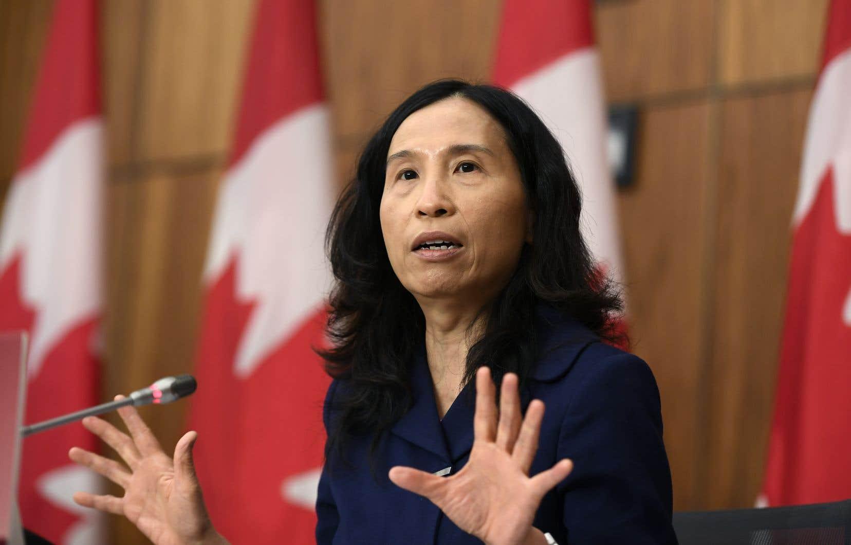 La DreTheresa Tam a écrit sur Twitter que les Canadiens doivent demeurer prudents, car les variants du coronavirus, beaucoup plus contagieux, peuvent «être n'importe où».
