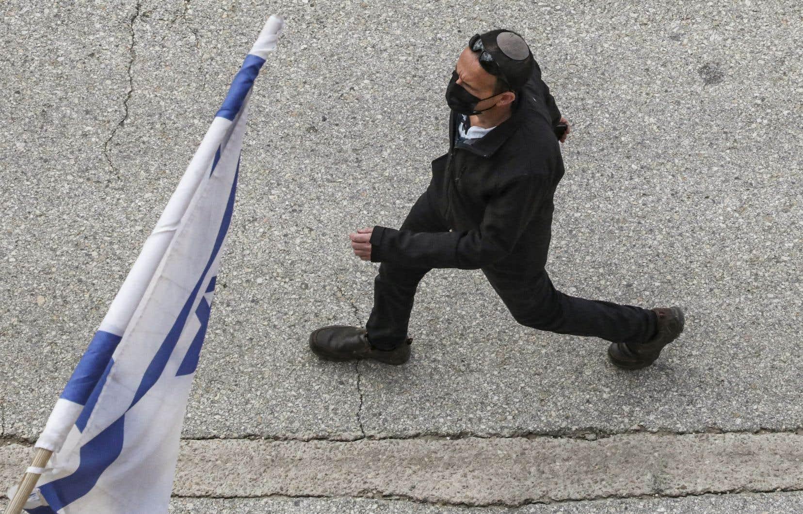 «Si le monde prenait conscience de l'étendue réelle du pouvoir politique détenu en Israël par les partis politiques religieux et de leur pouvoir d'ingérence dans la vie des femmes, ce serait fini,pour Israël», pense l'autrice.