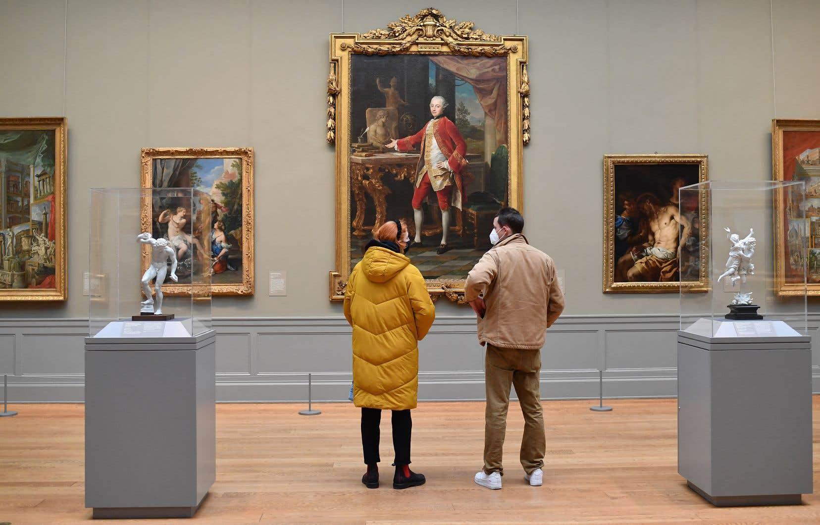 Le Metropolitan Museum of Art cède ainsi surtout des objets dont il possède plusieurs exemplaires ou des œuvres d'un artiste «dont nous avons déjà deux douzaines de travaux de la même période», explique M.Hollein.