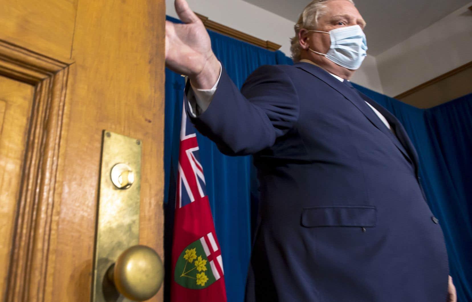 Le cabinet de M. Ford a pris la décision concernant l'ordre de maintien au domicile lors d'une réunion mardi soir.