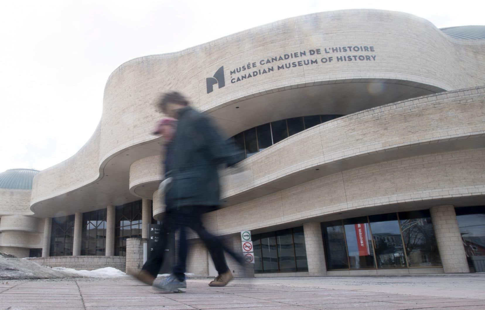 Mark O'Neill, était déjà en congé de maladie depuis l'été dernier, au moment de l'ouverture d'une enquête indépendante sur des allégations de harcèlement à l'institution, anciennement le Musée canadien des civilisations.