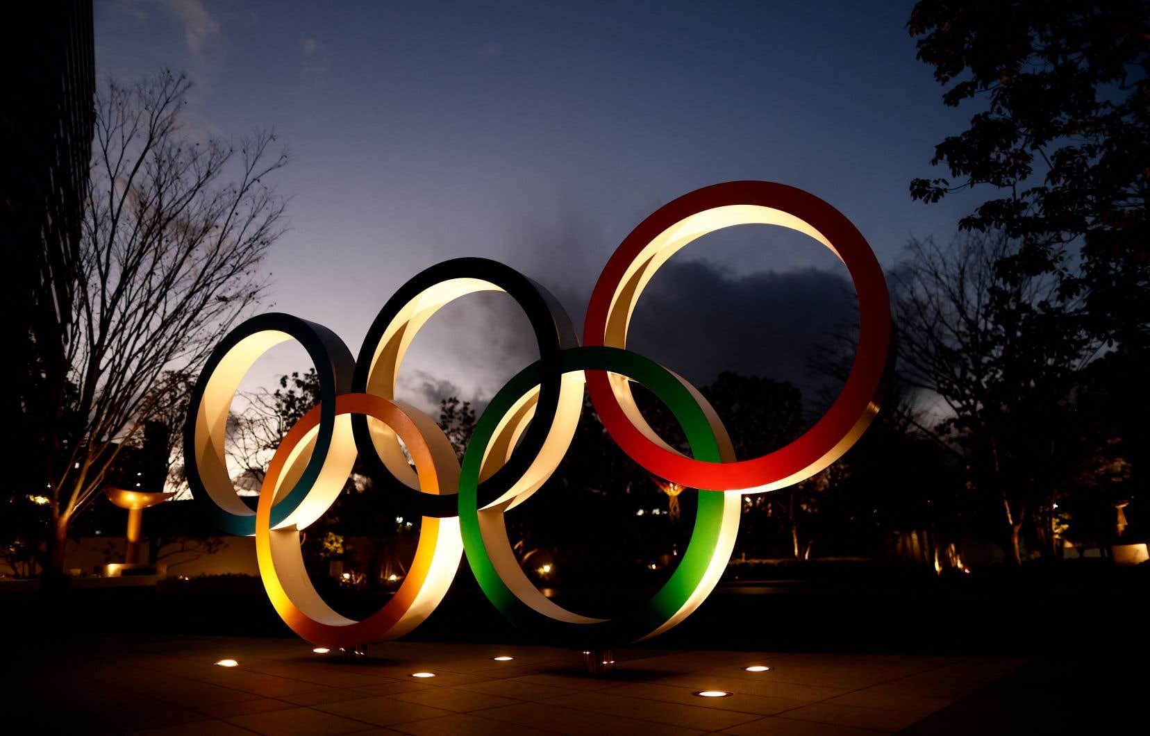 Les Jeux olympiques doivent commencer le 23juillet, mais près de 80% des Japonais s'y opposent.