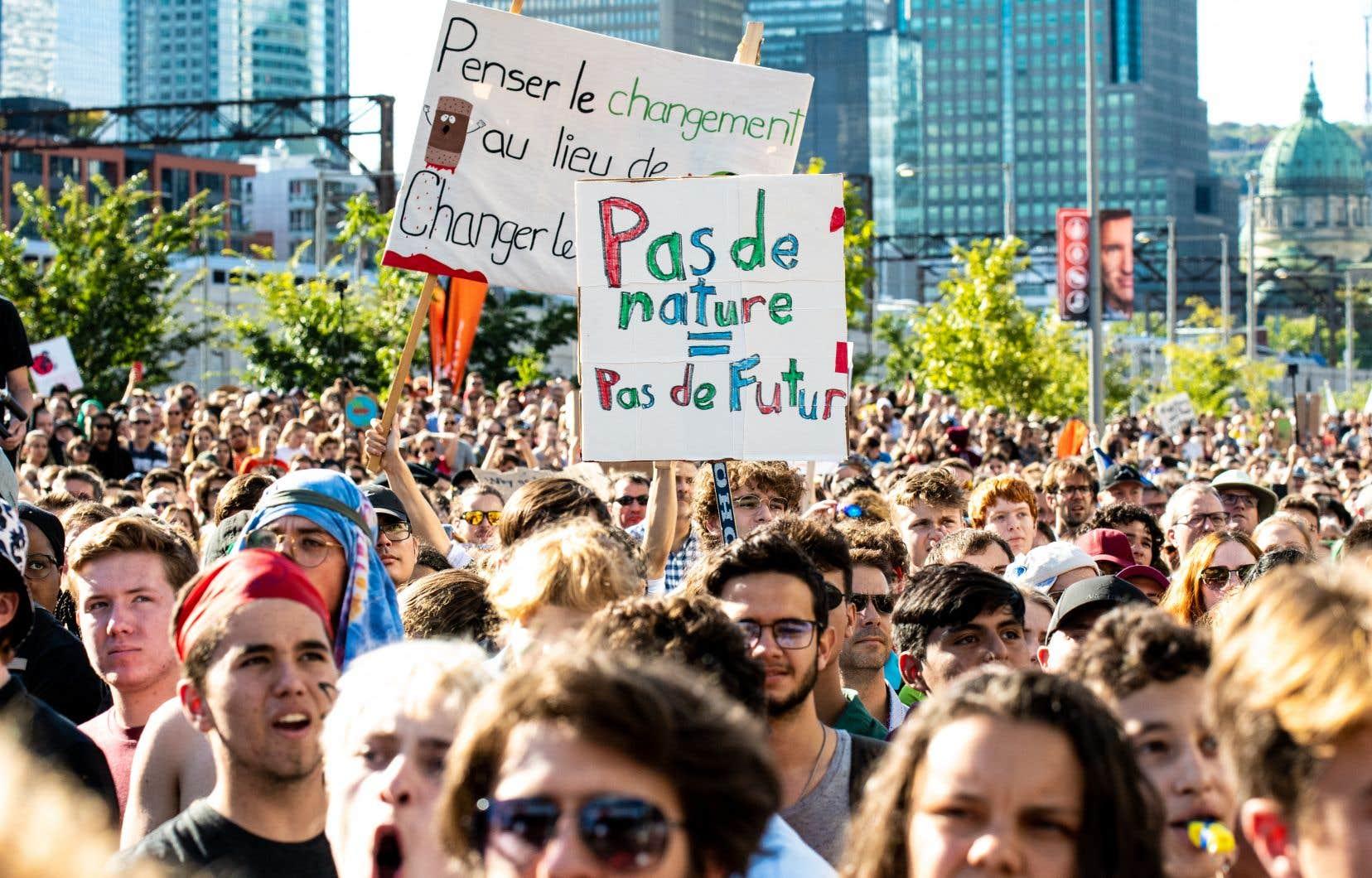 Rappelons qu'en 2019, 500000 personnes sont descendues dans les rues de Montréal pour appuyer des mesures fortes en environnement.