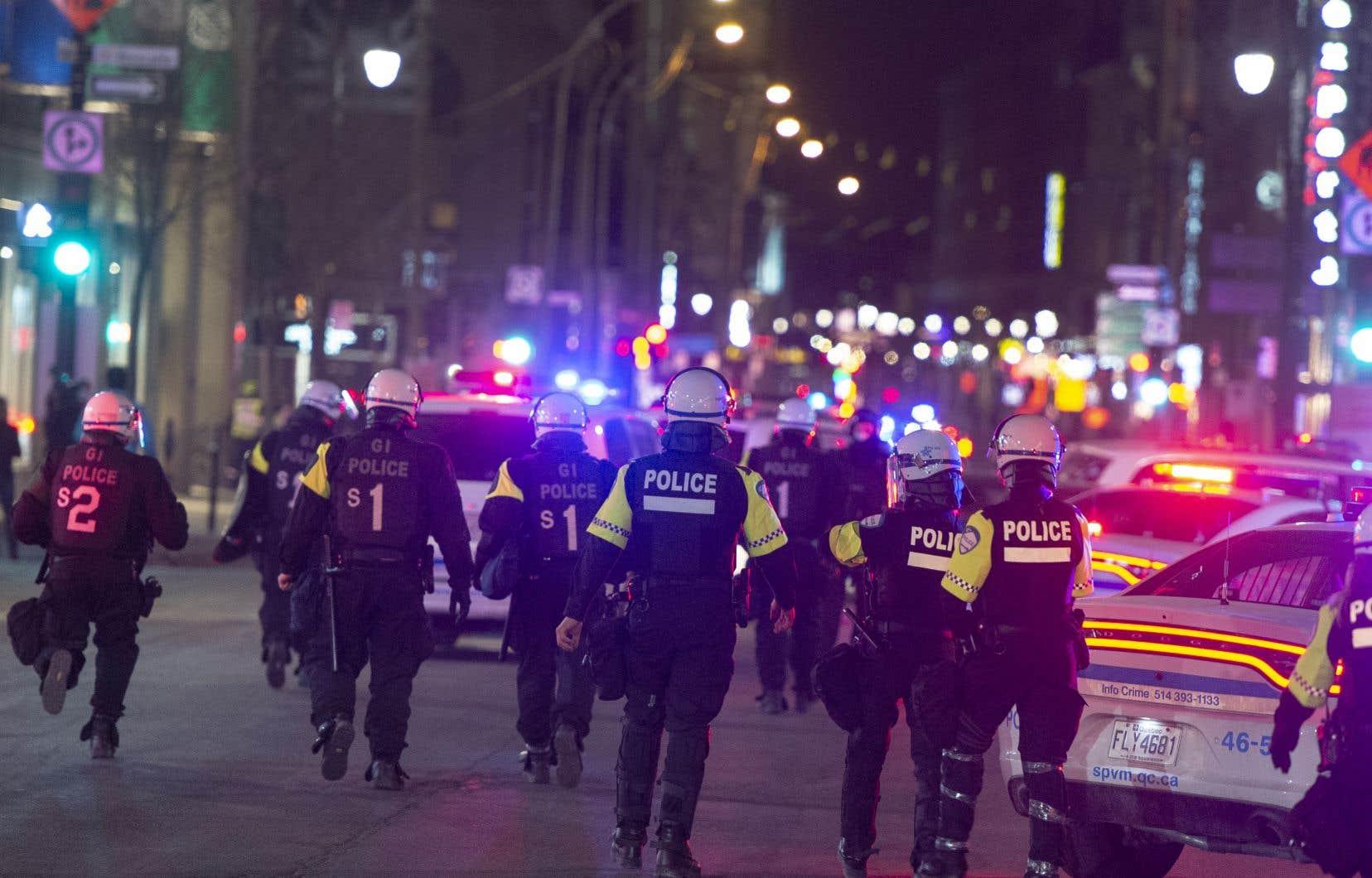 Entre les 5 et 11avril, les corps policiers du Québec ont distribué 1252 constats d'infraction, selon les données publiées lundi par le ministère de la Sécurité publique.