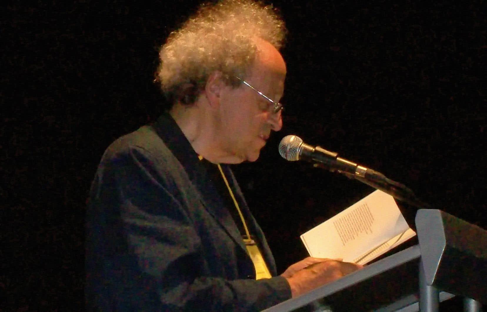 Bernard Noël, lors du Festival international de la poésie de Medellín (Colombie), en 2008.