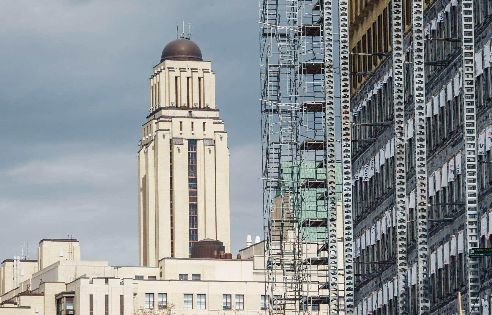 Le plan directeur de l'UdeM fait état de plusieurs potentiels d'agrandissement sur le site. Une expansion de cinq étages est notamment envisagée à côté de la Faculté de musique, nichée tout près du sommet du mont Royal. Un agrandissement de taille similaire est aussi prévu pour un pavillon de Polytechnique Montréal qui se trouve lui aussi en hauteur.