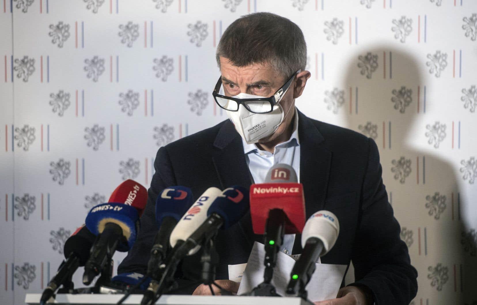 Plus de six ans après les faits, les autorités tchèques ont annoncé qu'elles soupçonnaient le service de renseignement militaire russe, le GRU. Le premier ministre, Andrej Babis (sur la photo), a assuré détenir des «preuves irréfutables» de son implication.