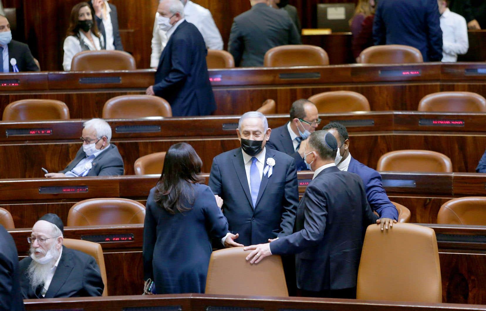 D'avril 2019 à mars dernier, Israël a tenu quatre élections législatives, débouchant soit sur l'incapacité de la classe politique à s'entendre sur un gouvernement, soit sur un gouvernement d'union n'ayant pas duré.