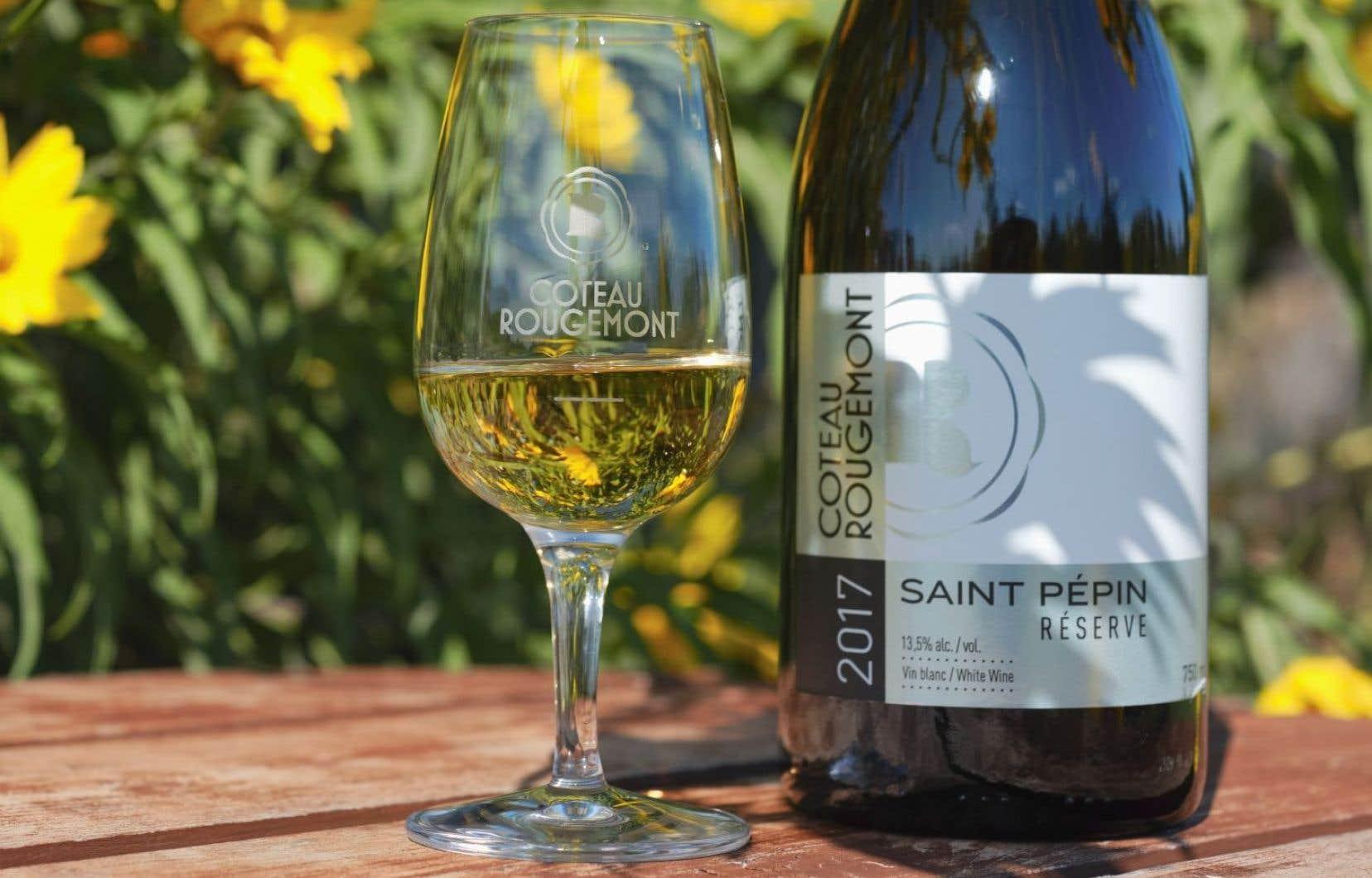 Le Saint Pépin Réserve 2019 du vignoble Coteau Rougemont est reconnu pour la finesse de ses arômes.